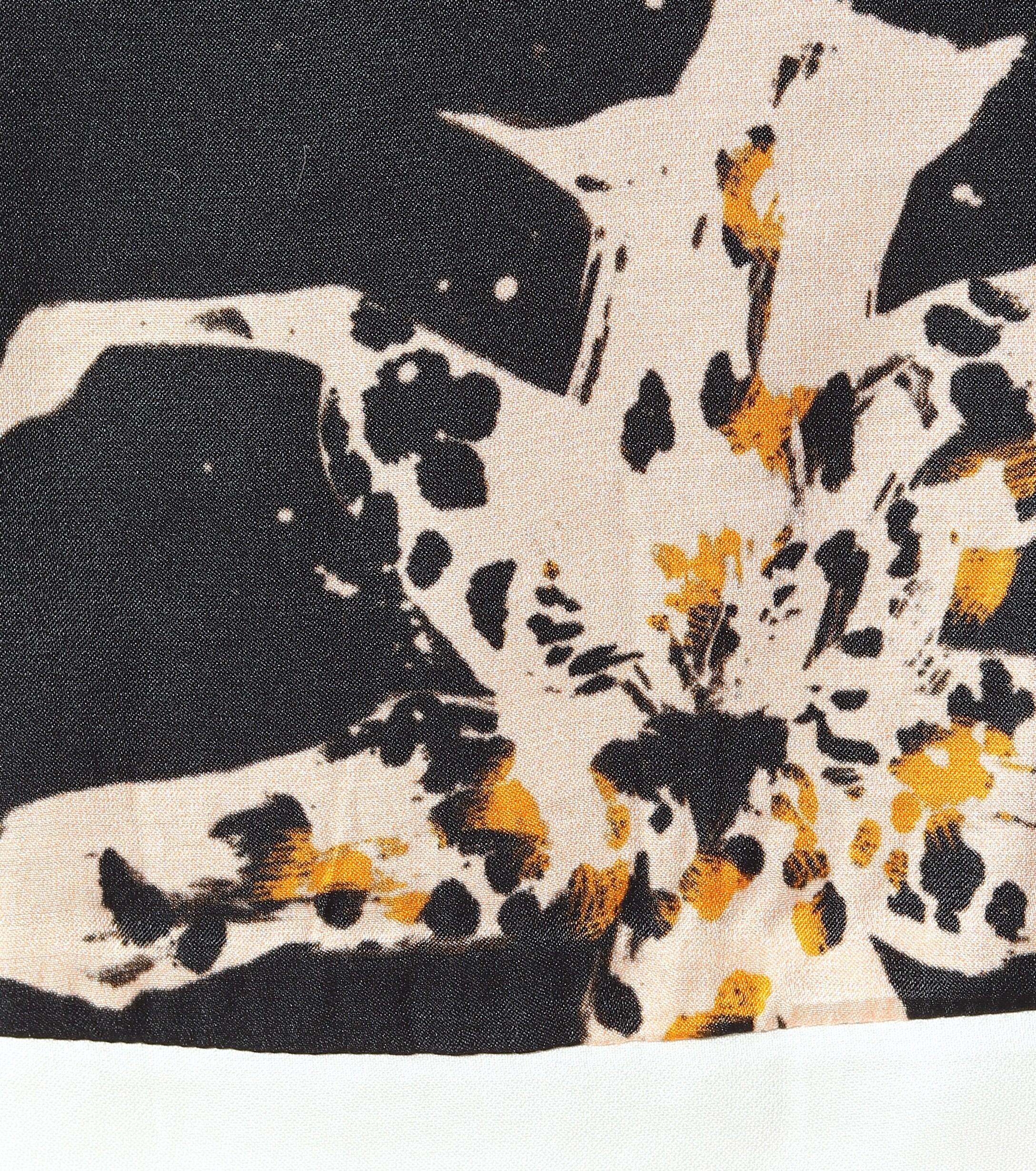 Jupe Tamed Florals imprimée en soie mélangée Soie Dorothee Schumacher en coloris Noir - 29 % de réduction