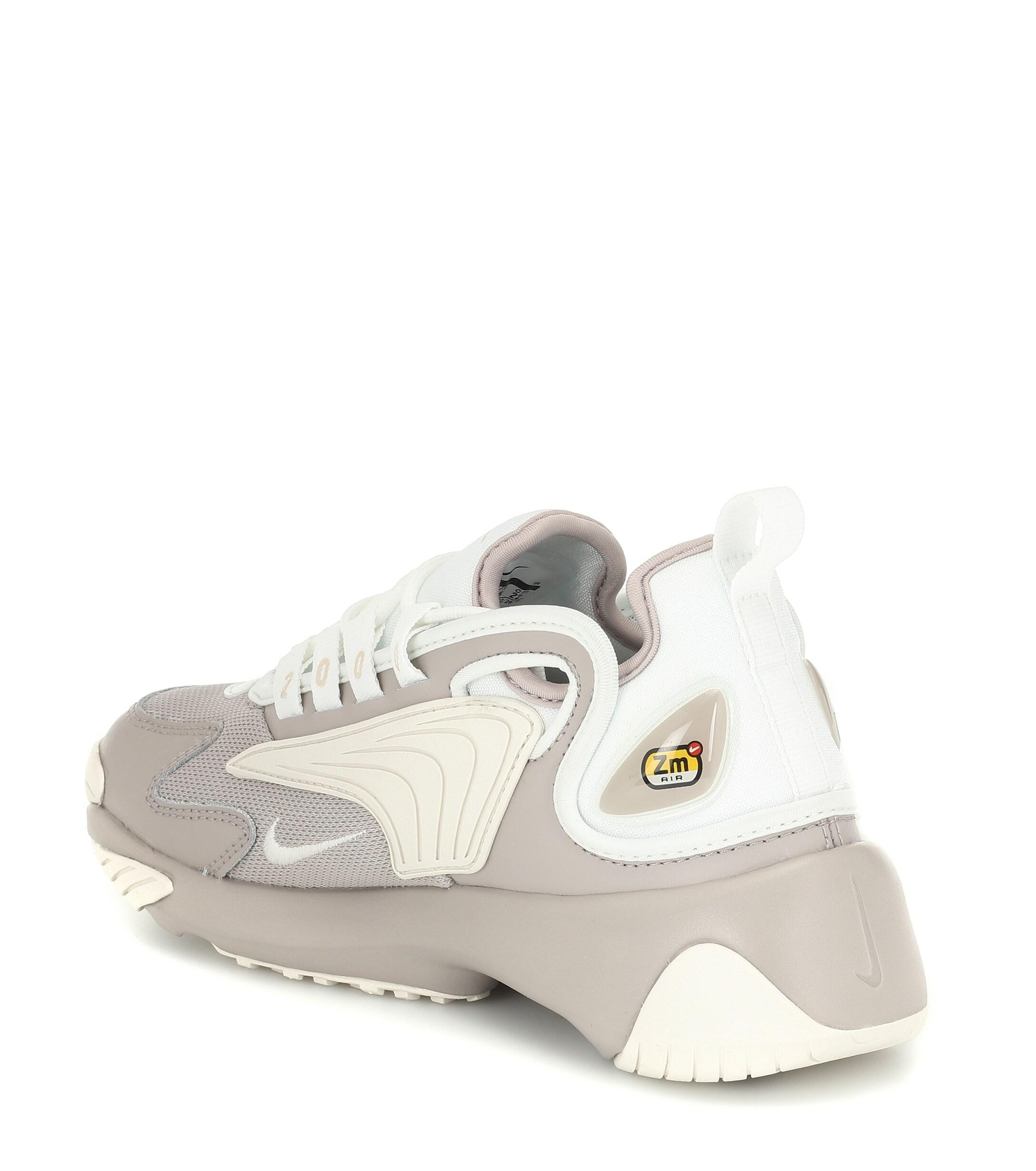 nike zoom 2k sneaker