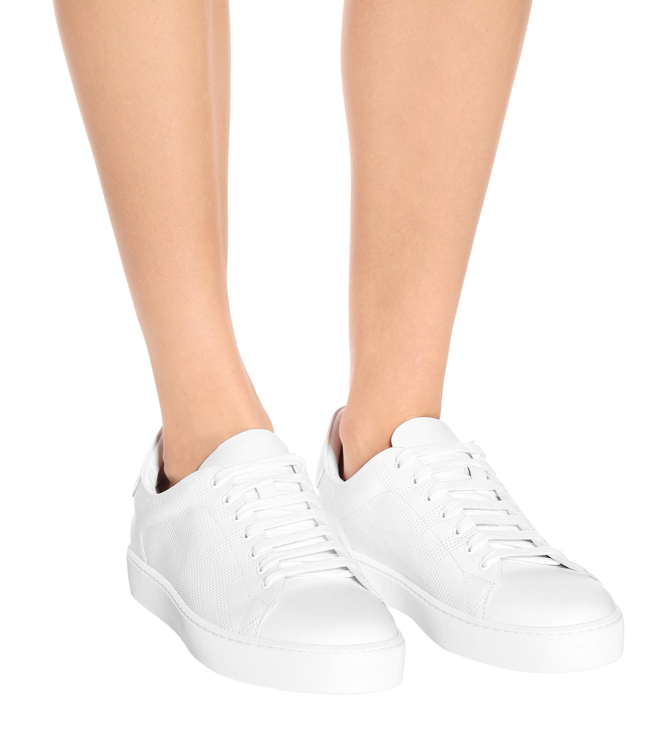 Zapatillas de piel Burberry de Cuero de color Blanco