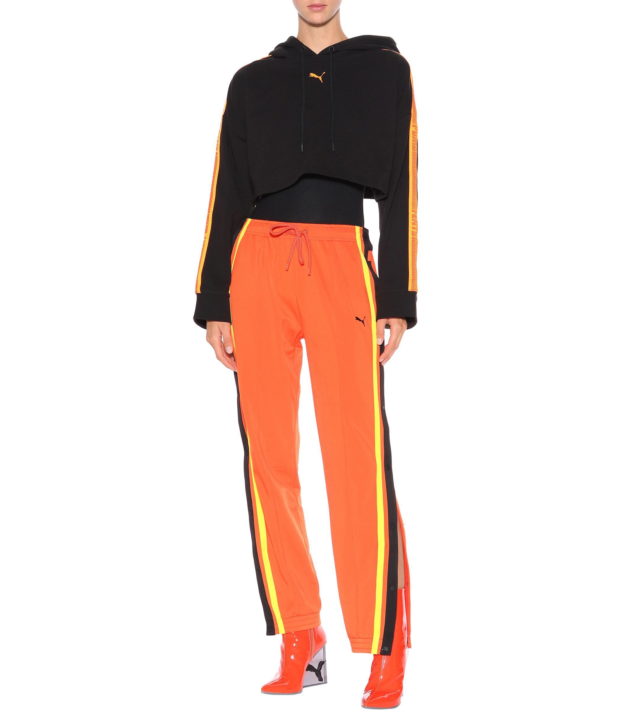 Sweat-shirt raccourci à capuche Fenty en coloris Noir