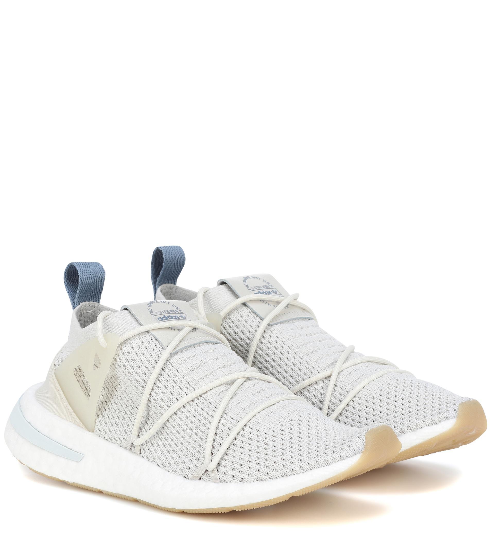 lyst adidas originali arkyn primeknit scarpe in grigio.