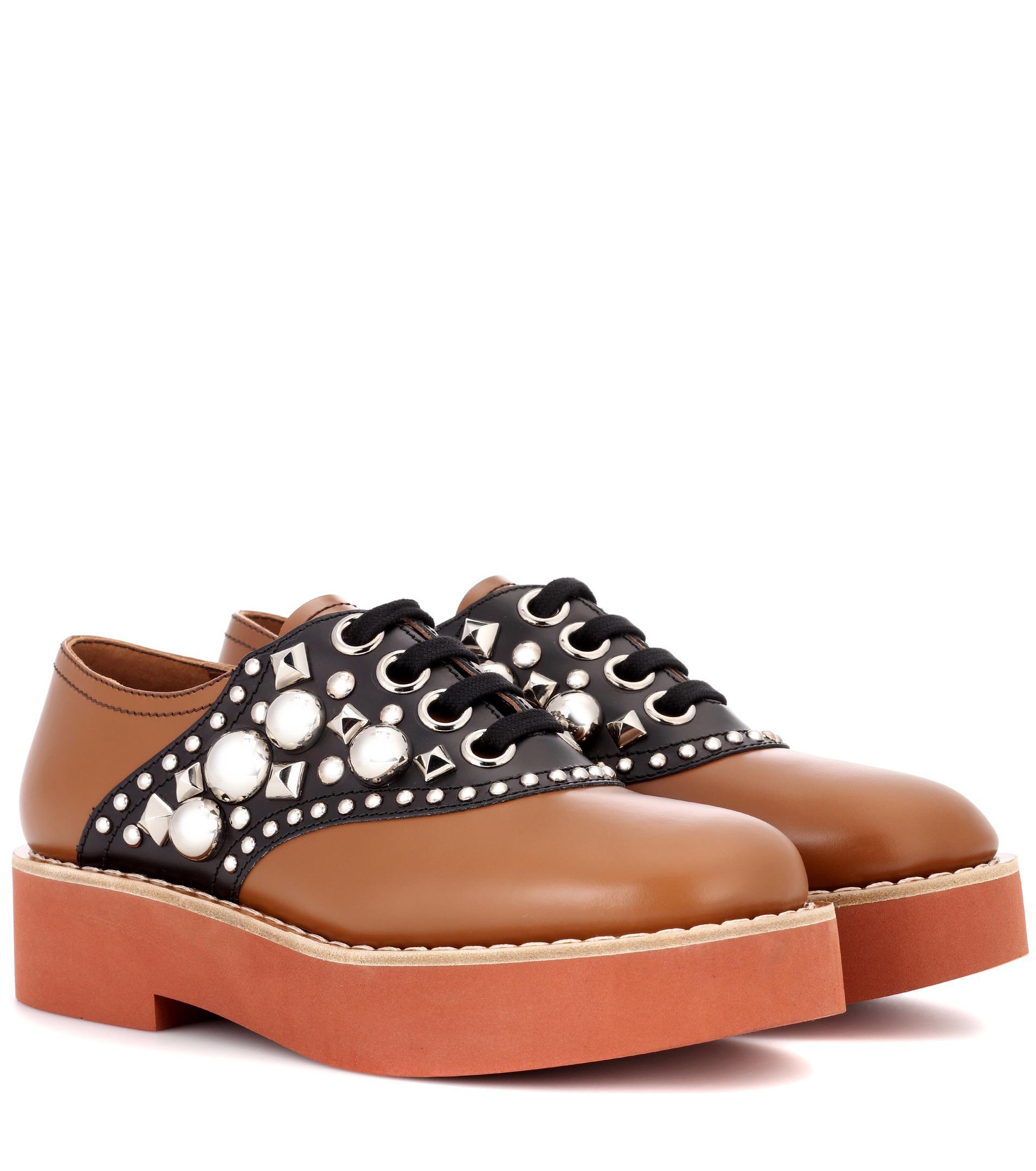 Miu Miu Embelli Chaussures Derby - Marron nt7f2