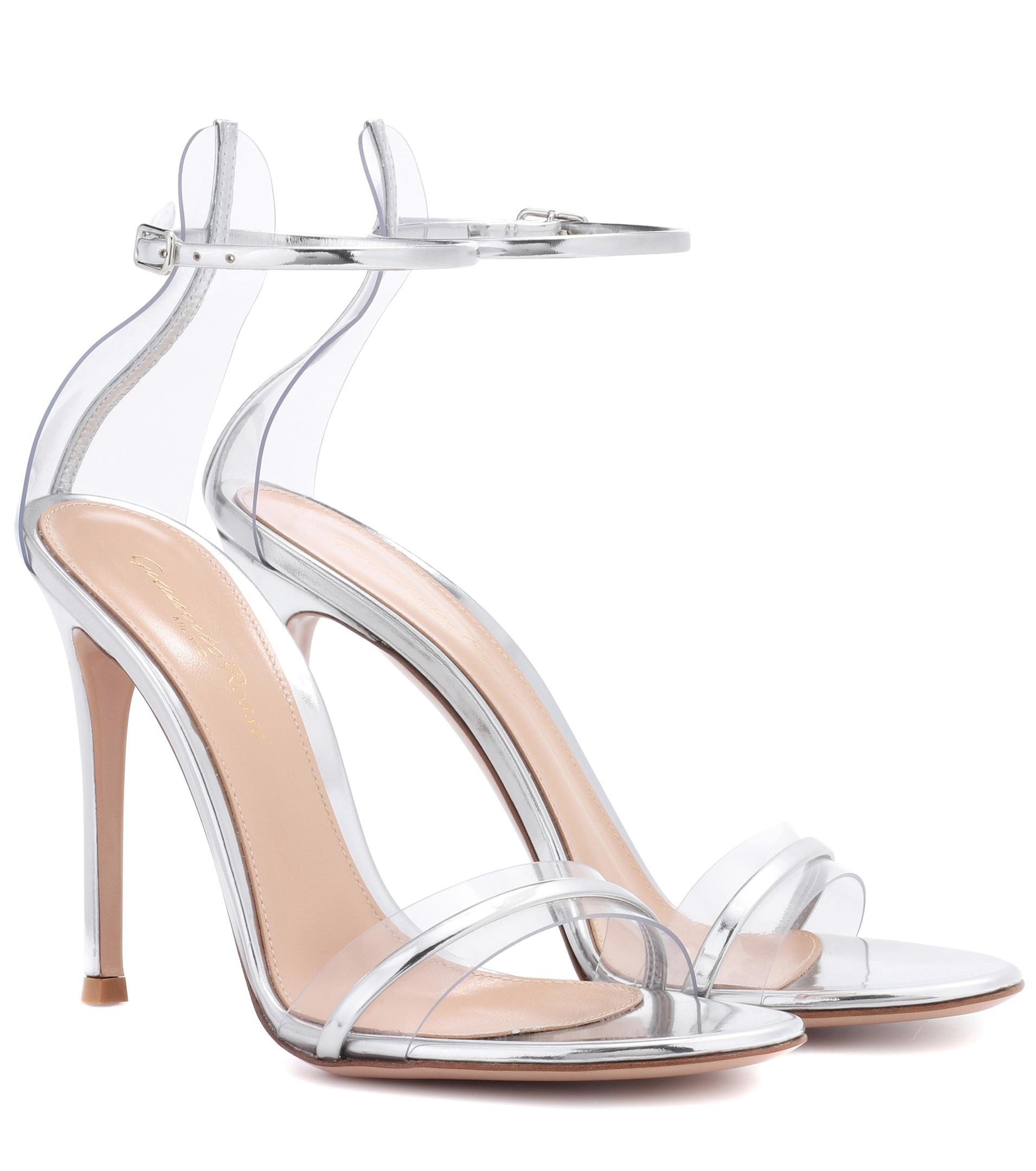 46a09d8c3d3 Lyst - Gianvito Rossi G-string Metallic Leather Sandals in Metallic