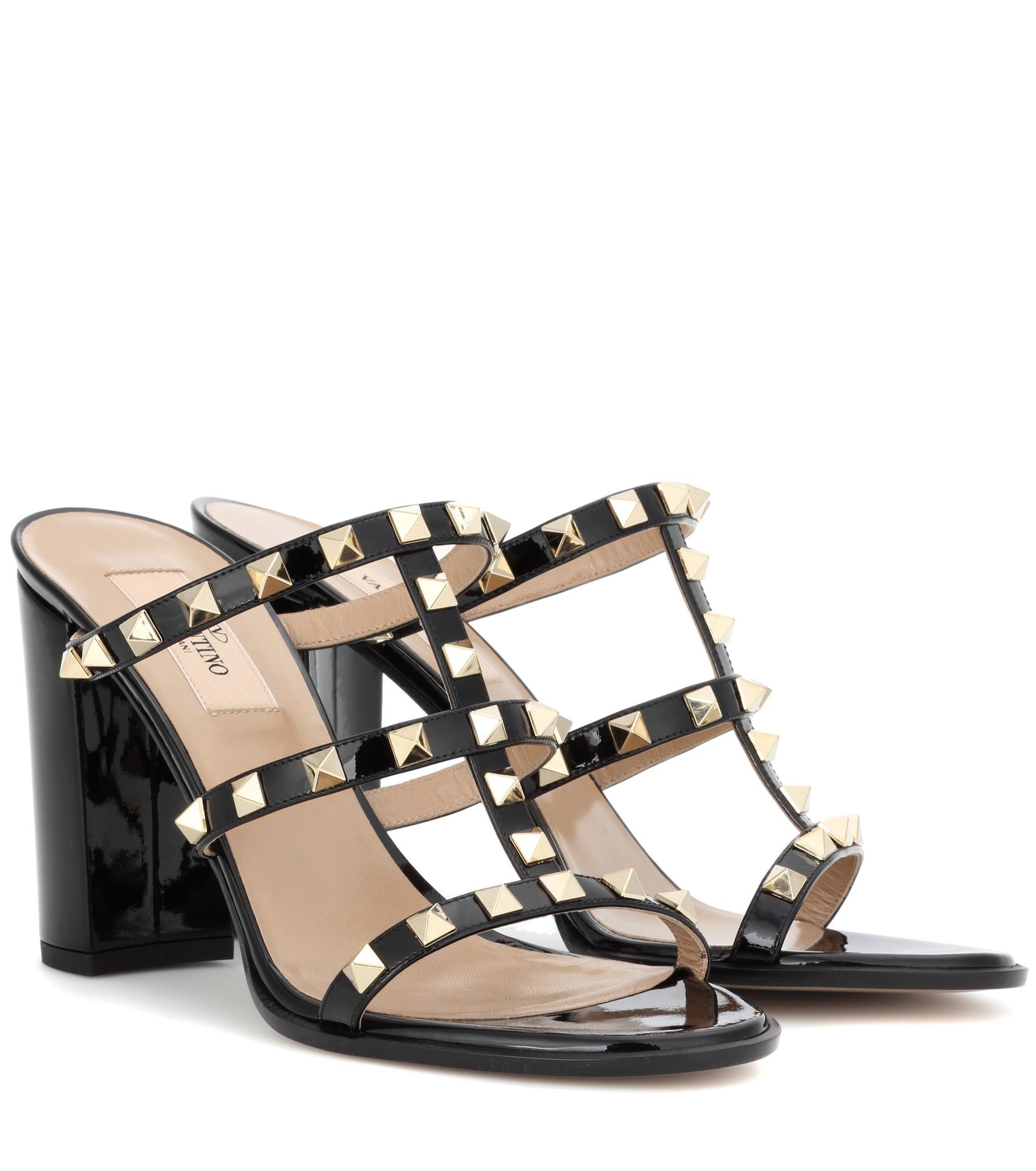 a572f96c940657 Valentino Rockstud Sandals Black