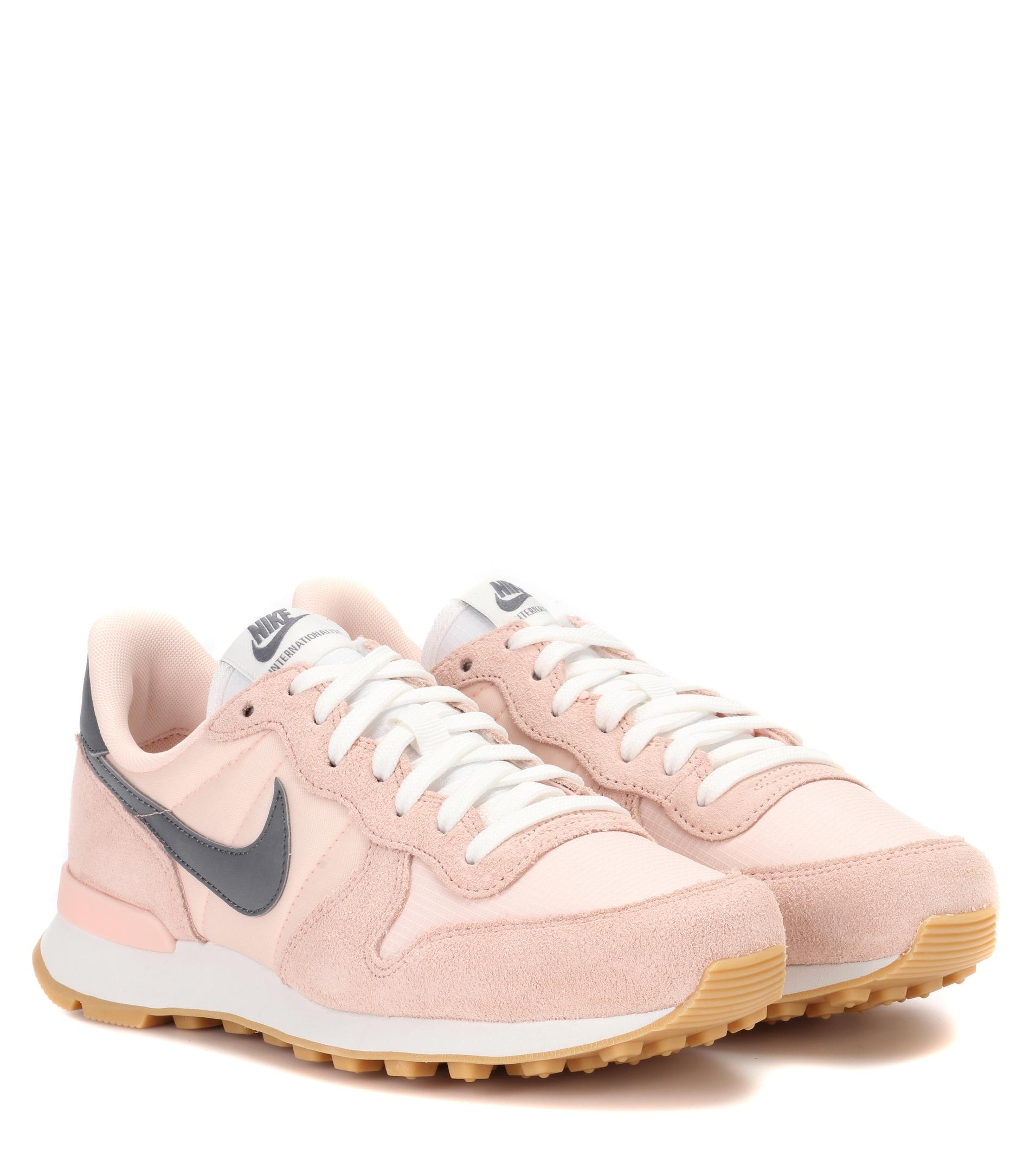 Lyst - Nike Internationalist Suede Sneakers in Pink 3c1d4836eee8