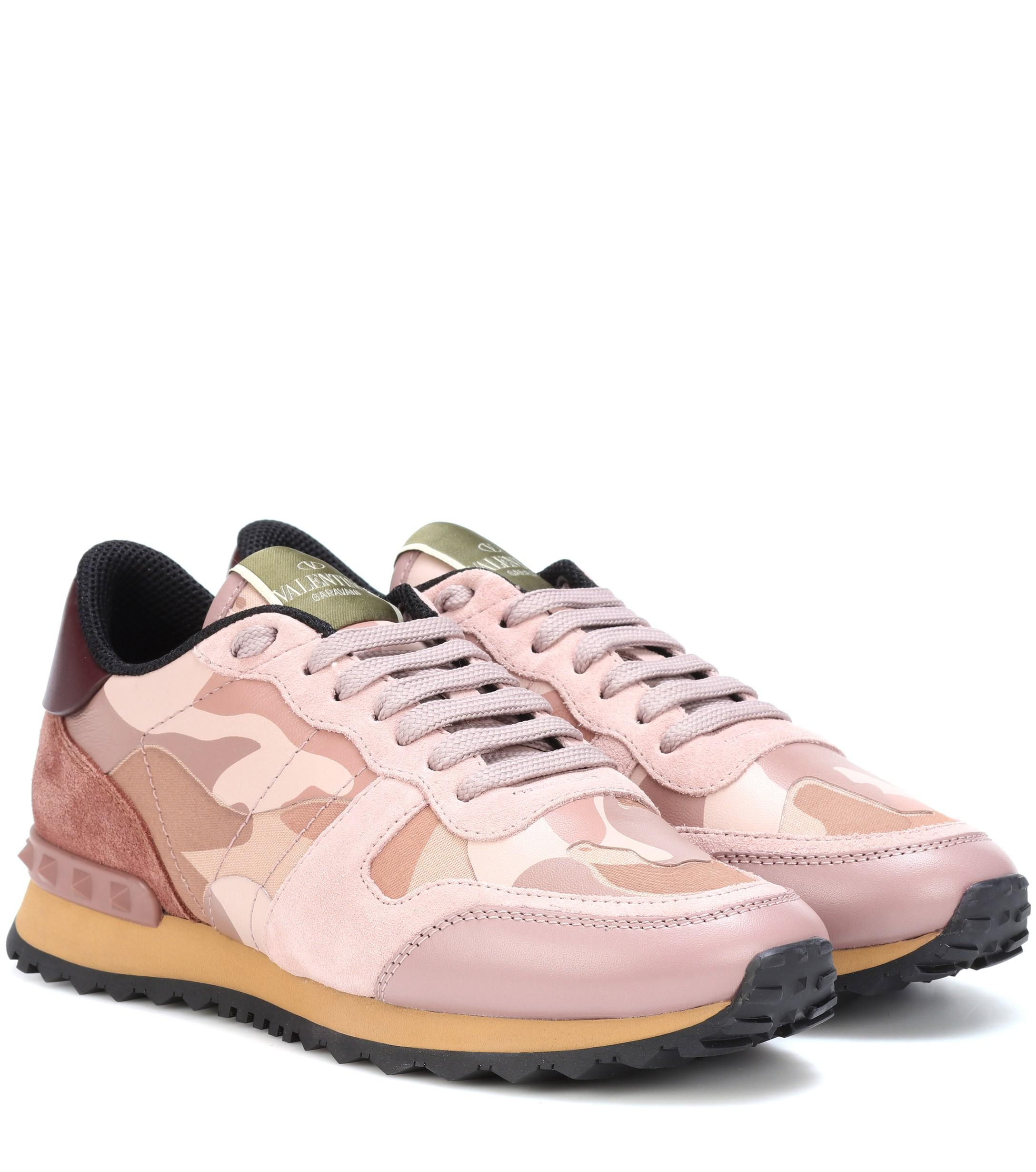 9016222620b4 Lyst - Valentino Rockrunner Camouflage Sneakers in Pink
