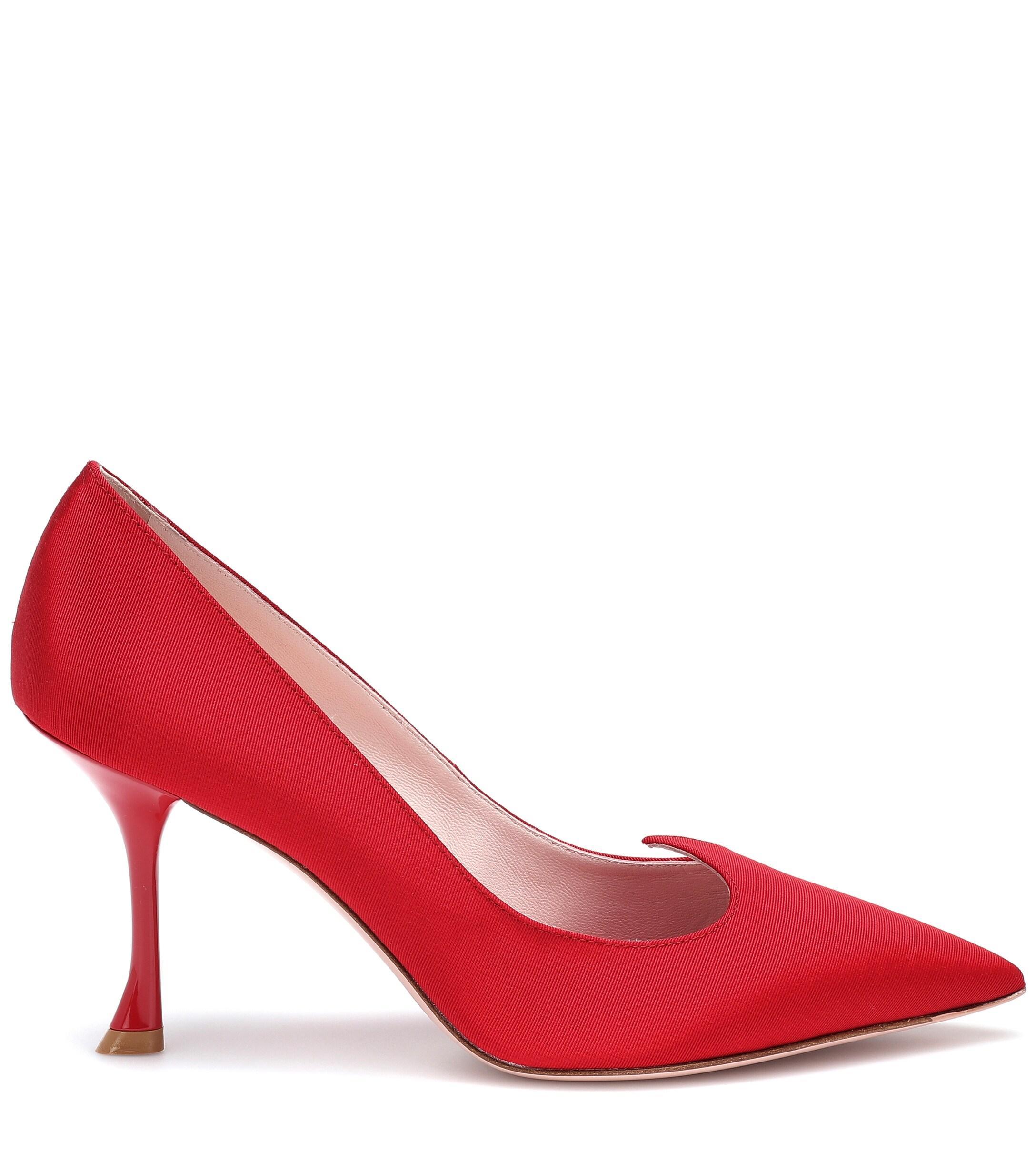 Salones I Love Vivier de satén Roger Vivier de Raso de color Rojo