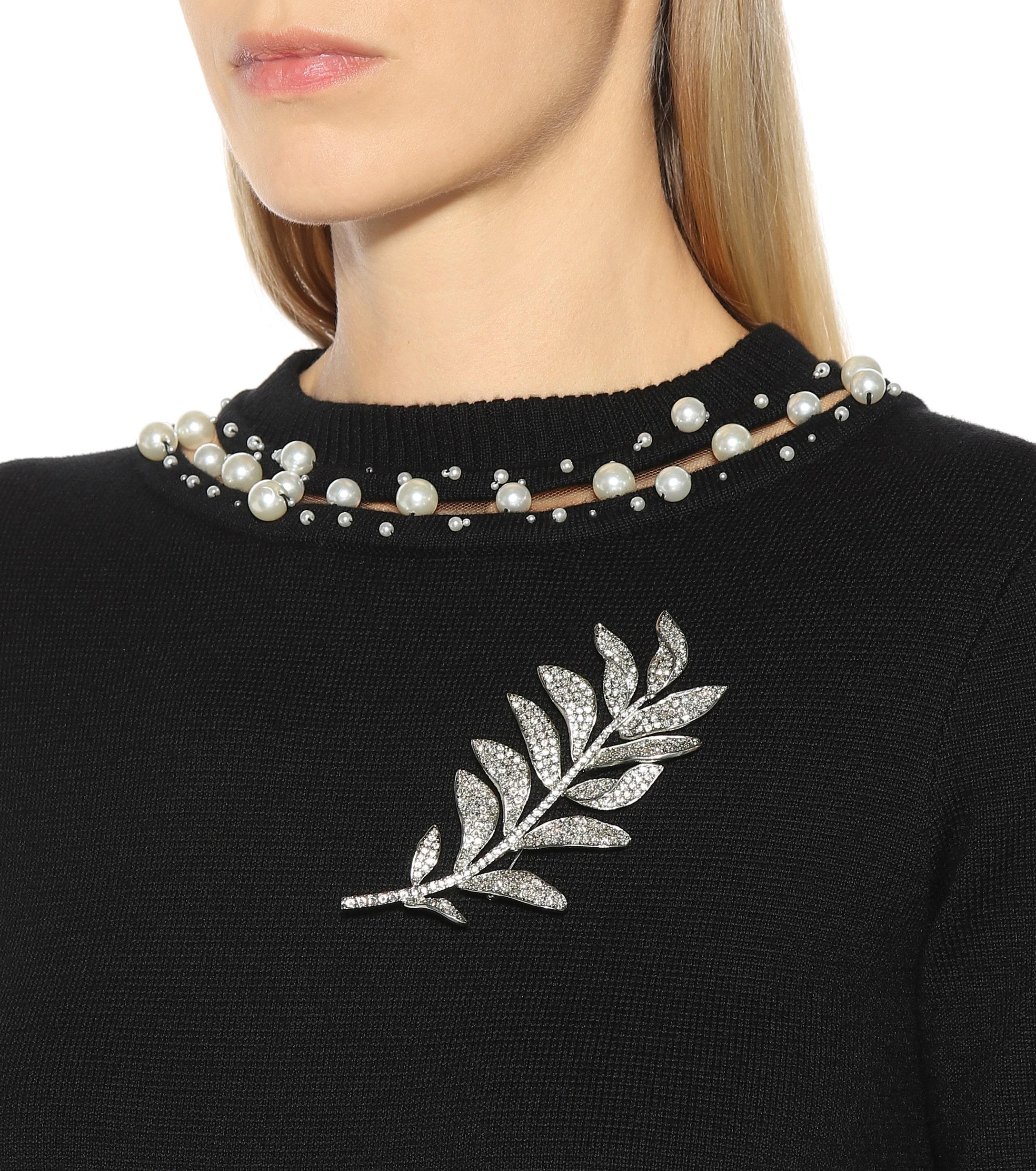 Oscar de la Renta Crystal-embellished Brooch in Silver (Metallic)