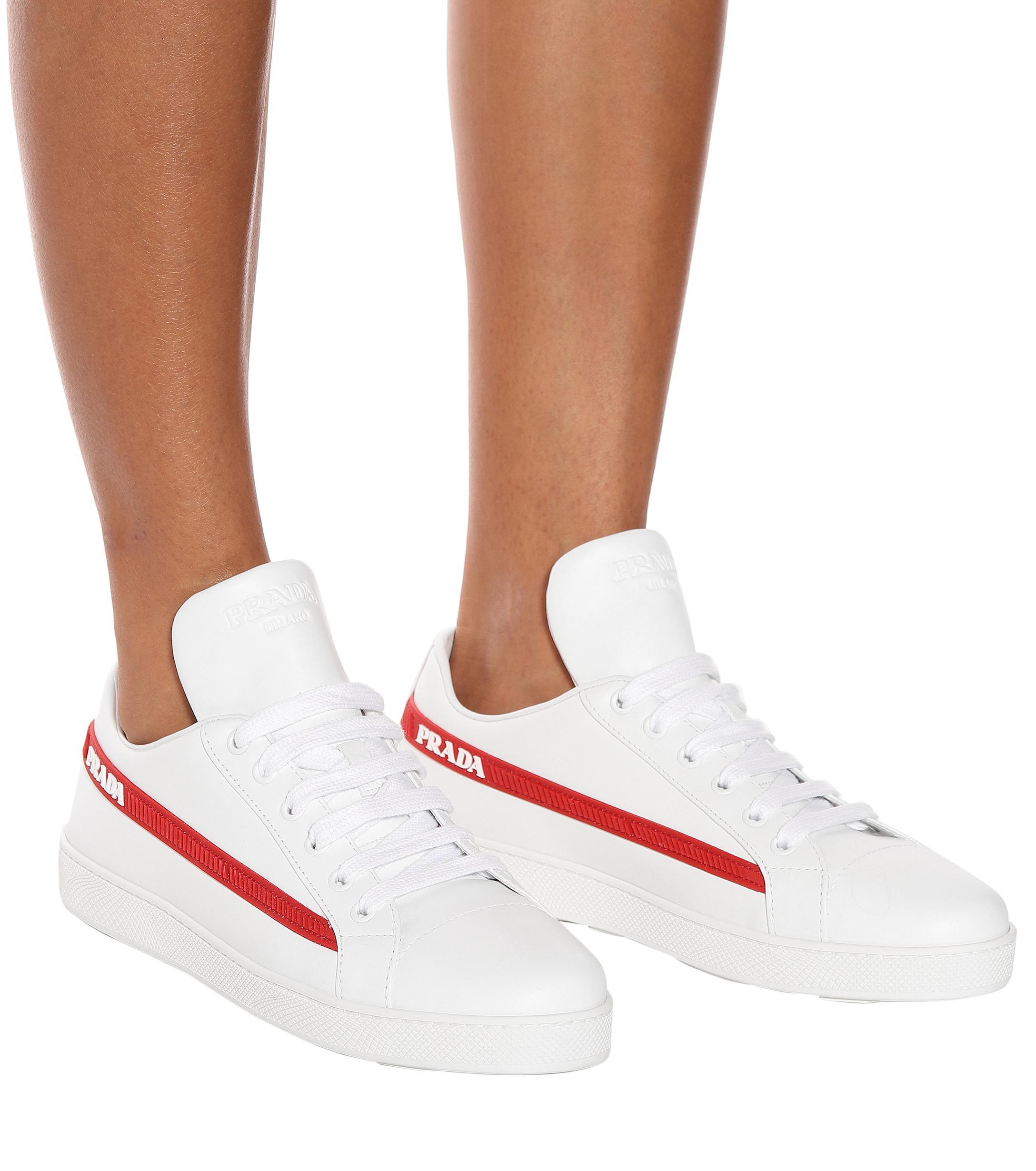 Zapatillas de piel Prada de Cuero de color Blanco