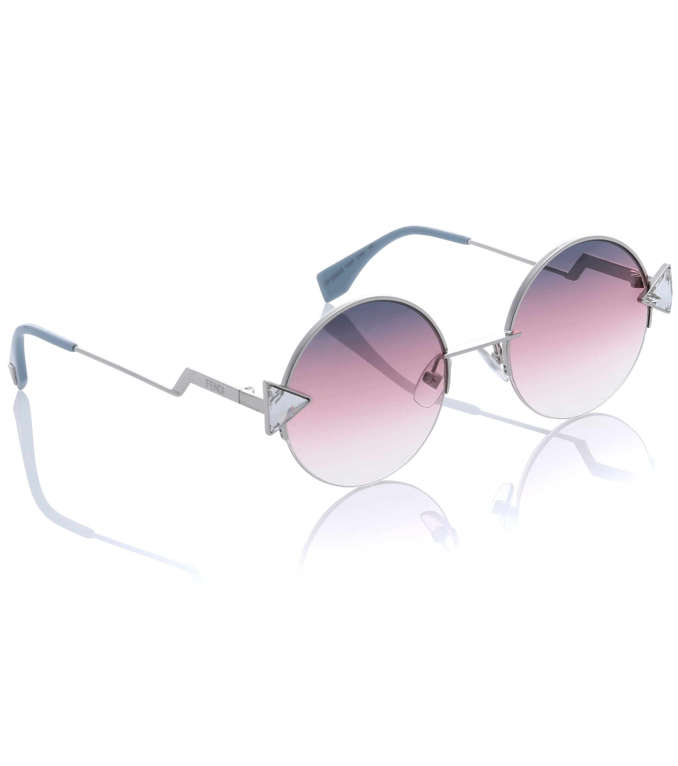 a59f96bf020a Gallery. Previously sold at  Mytheresa · Women s Round Sunglasses ...
