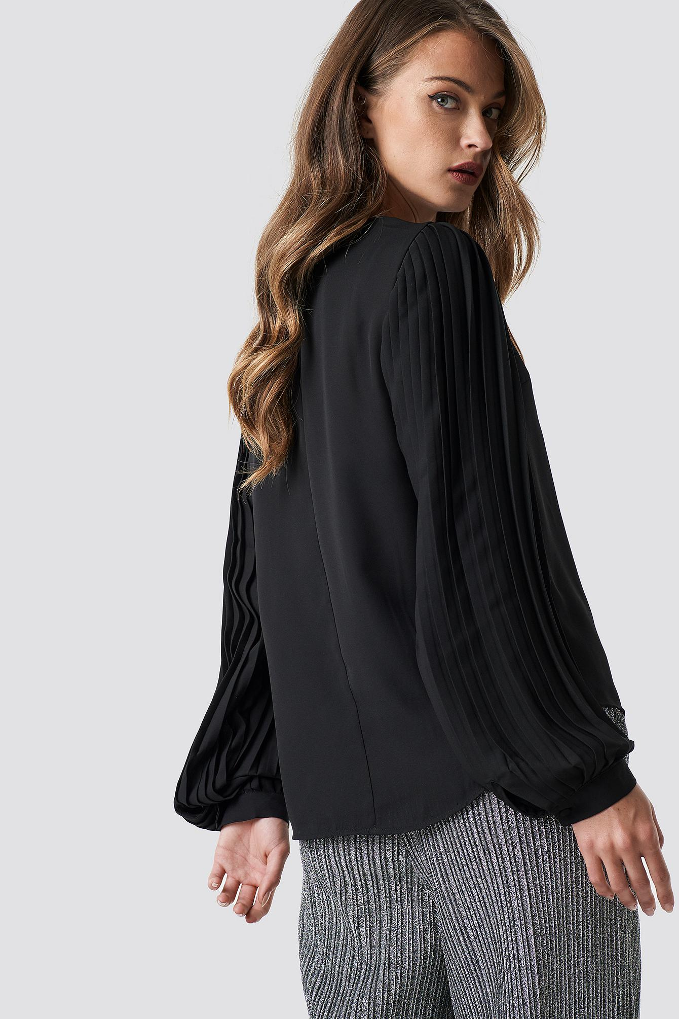d3533bfda52 Trendyol - Pleated Detailed Blouse Black - Lyst. View fullscreen