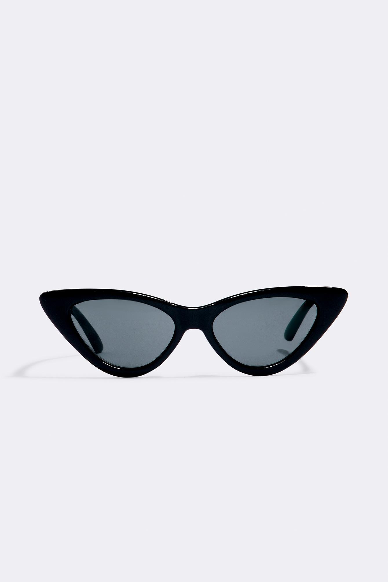 NA-KD Pointy Cat Eye Sunglasses Black