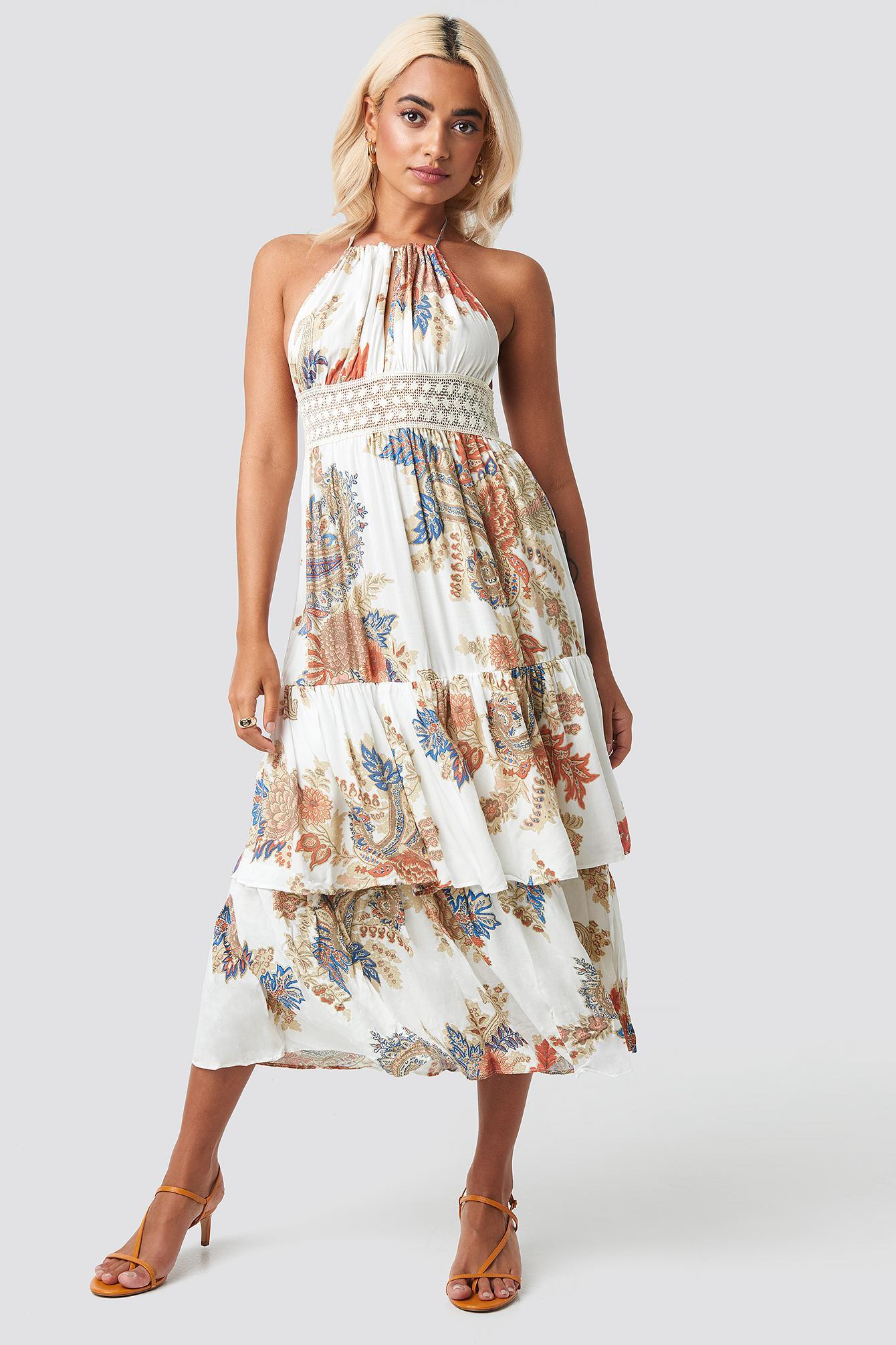 Back Trimmed Beach Dress en Synthétique Trendyol