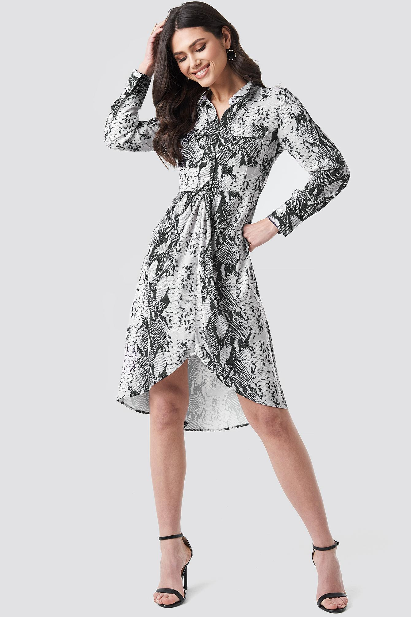 5a19f07ab8e6 Lyst - NA-KD Snake Printed Shirt Dress Grey in Gray