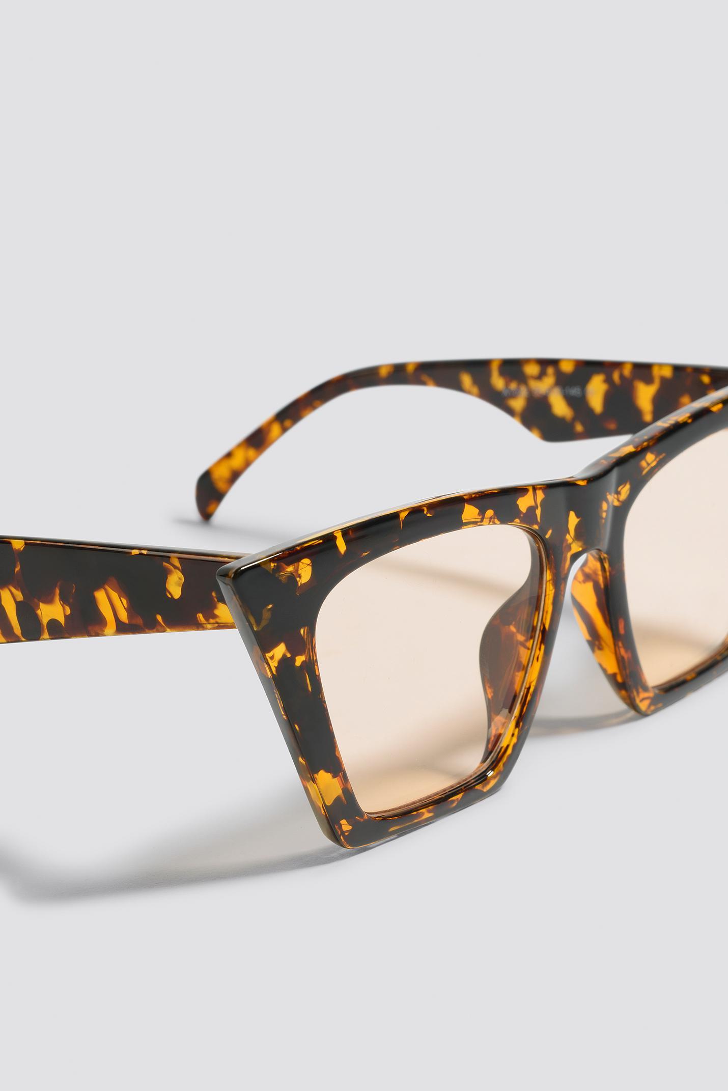 NA-KD Sharp Cat Eye Sunglasses Tortoise