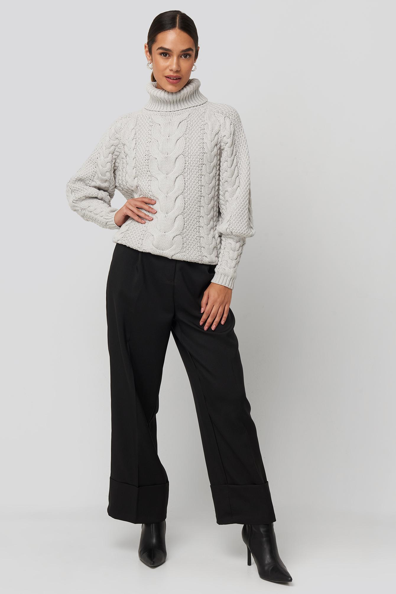 High Neck Cable Knitted Ribbed Sleeve Sweater Coton NA-KD en coloris Gris