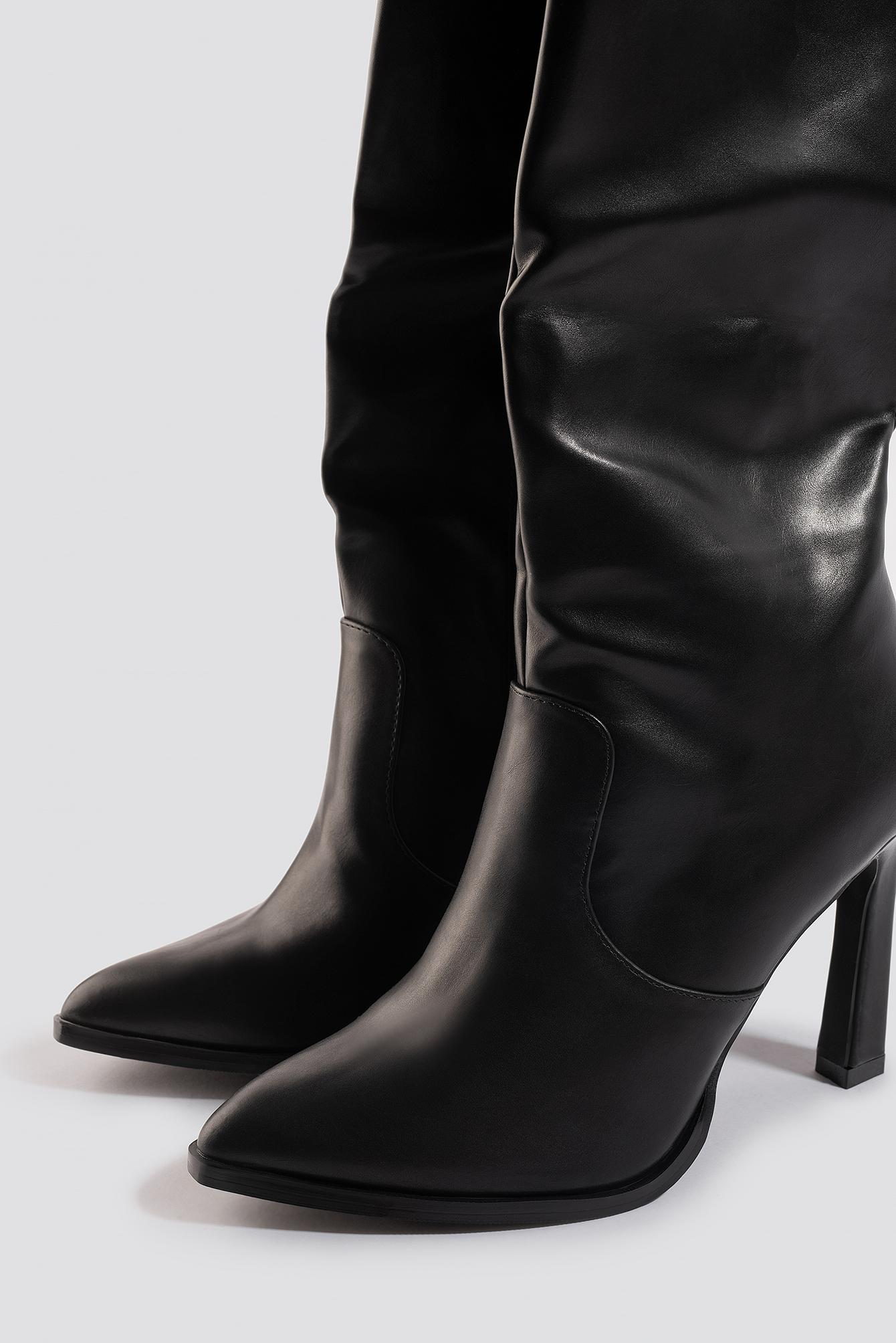 Calf High Cowboy Boots Caoutchouc NA-KD en coloris Noir