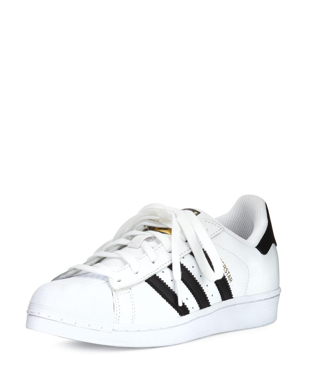 the best attitude 1d848 991fb Women's White Superstar Casual Sneaker