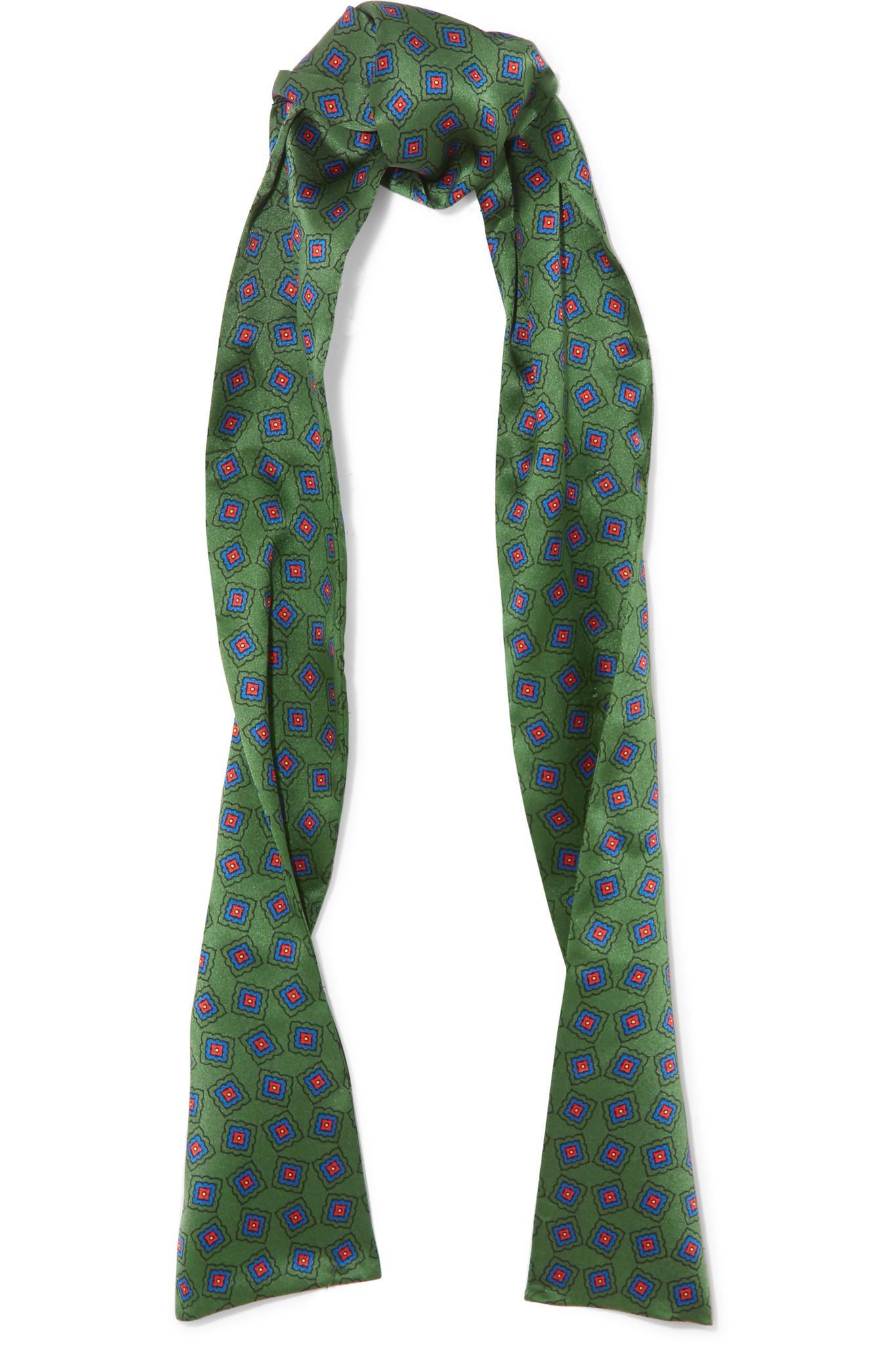 gucci printed silk scarf in green lyst
