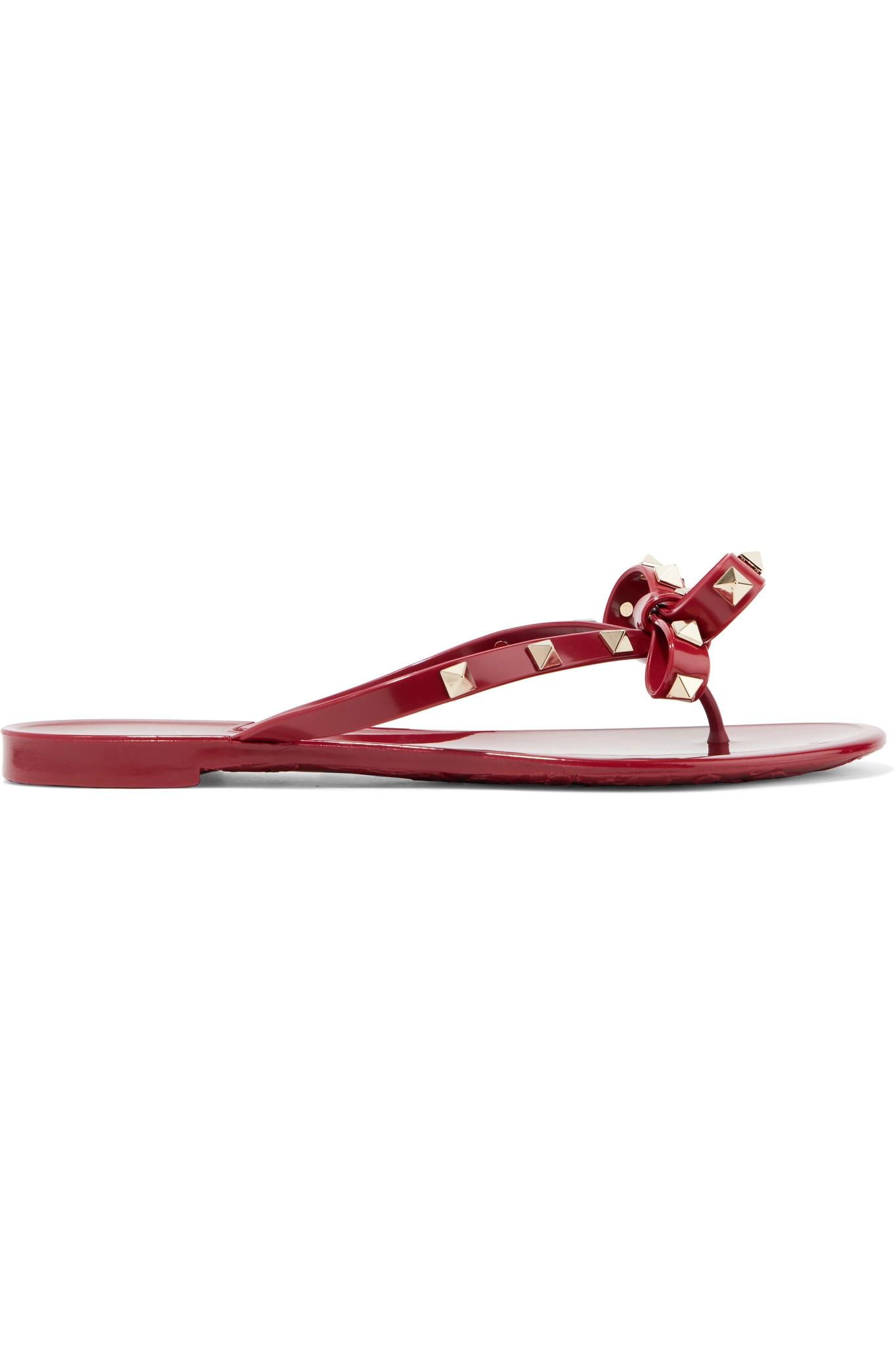 30c940bf790 Lyst - Tongs En Caoutchouc Rockstud Garavani Valentino en coloris Rouge