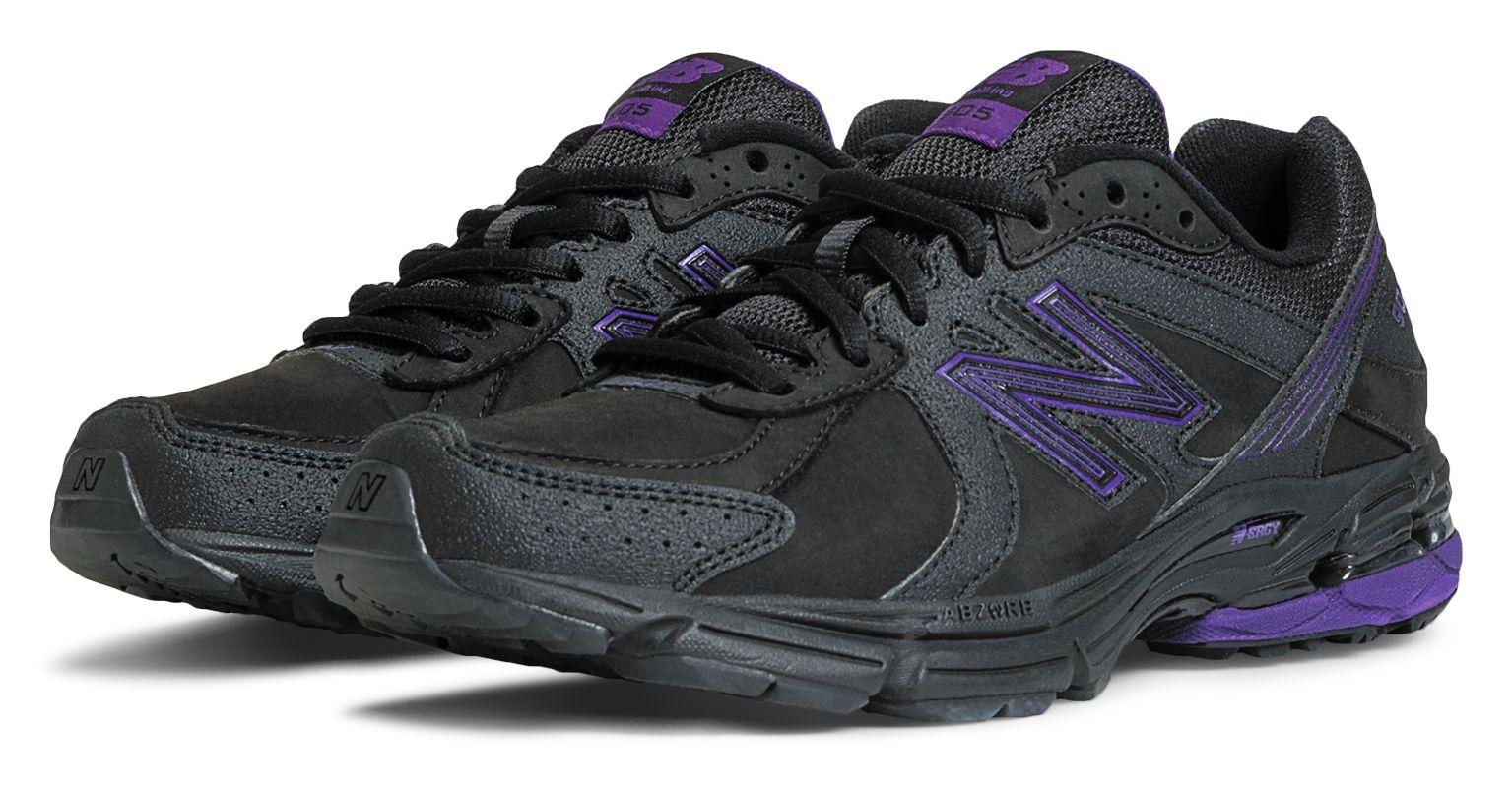 New Balance 905 Shoes in Black