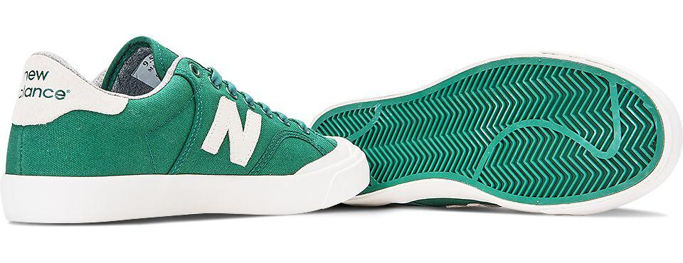 New Balance Suede Pro Court 212 in