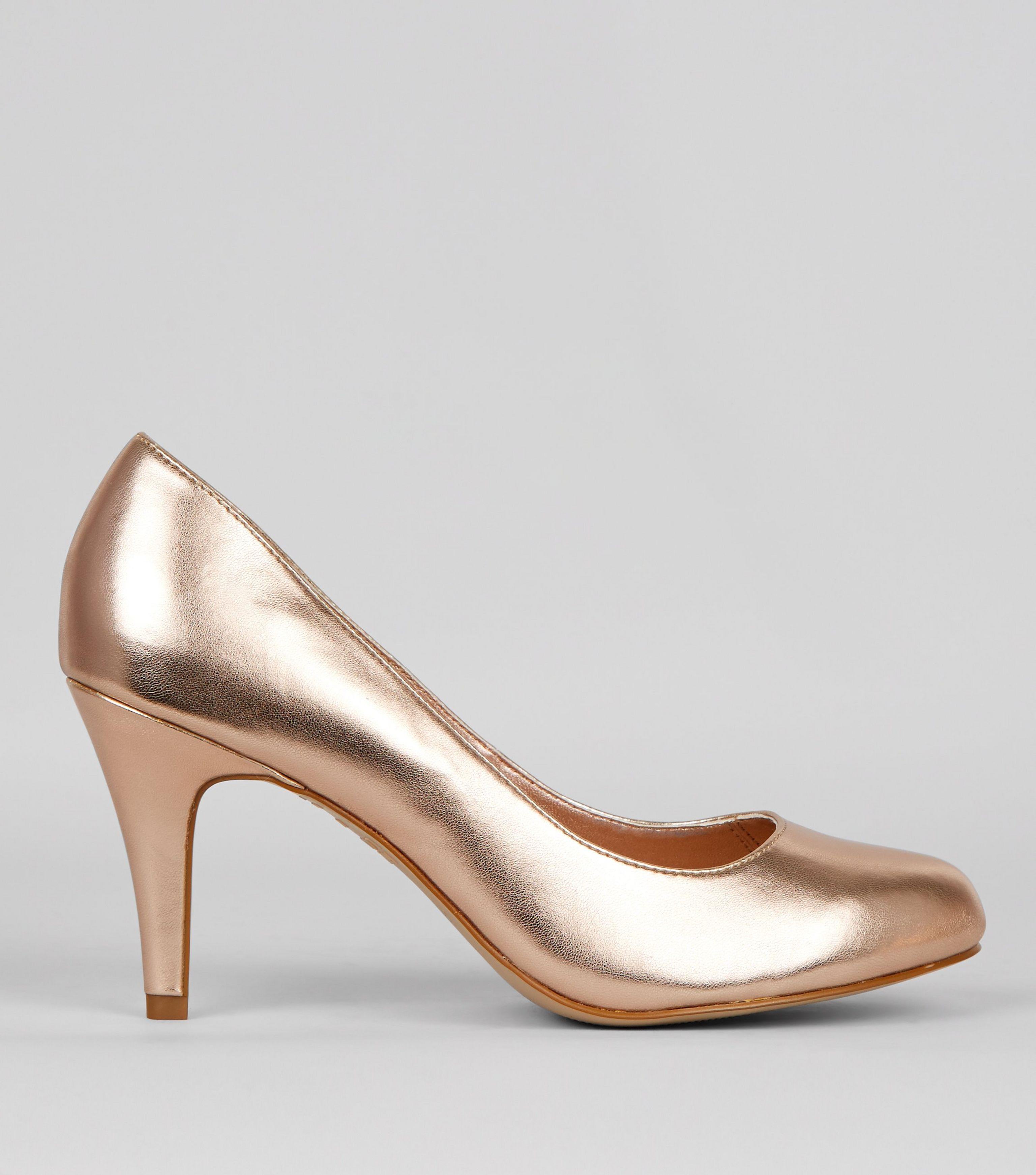 7dbf3e0d3b1 New Look Wide Fit Rose Gold Court Shoes - Lyst