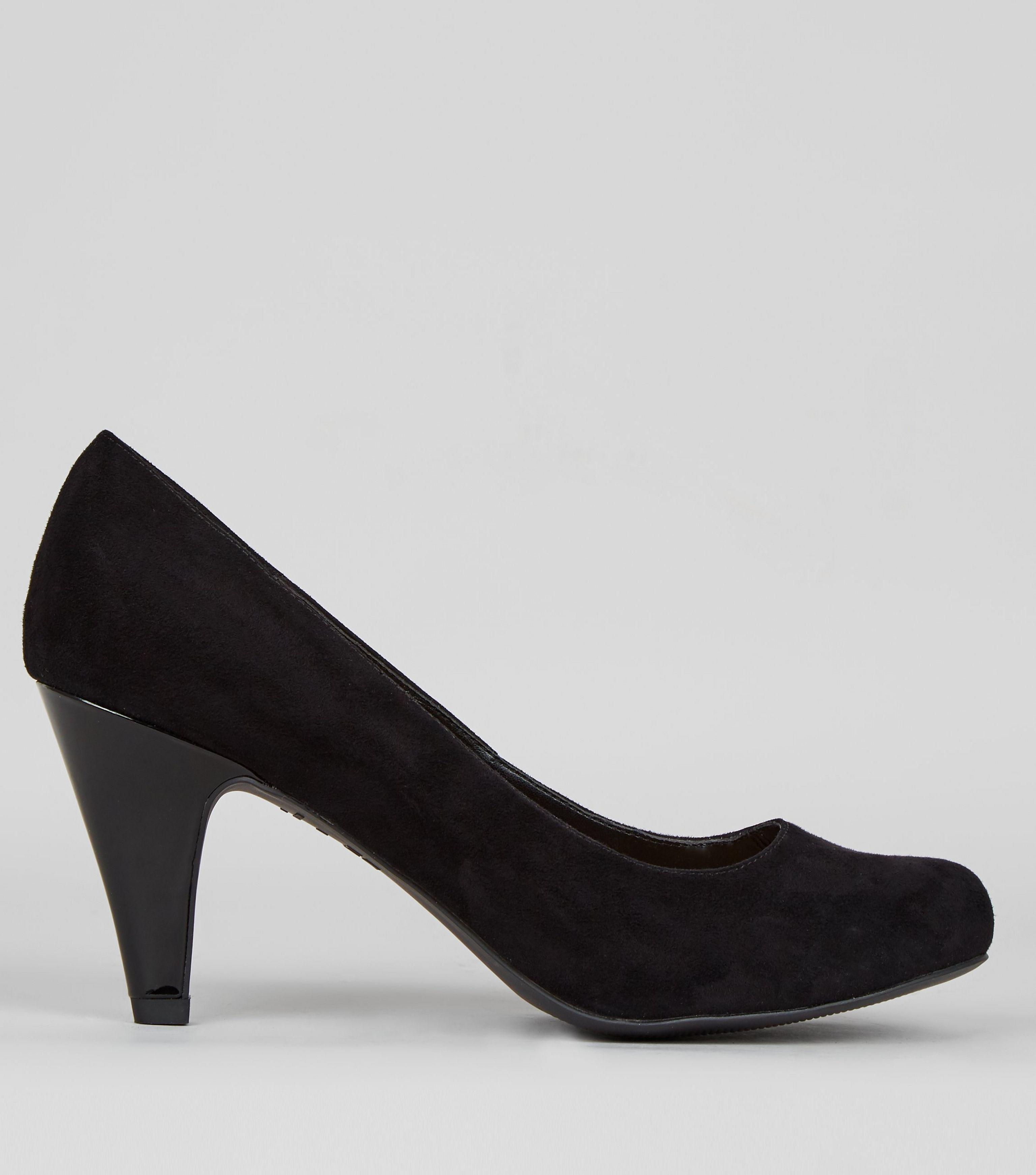 09aa7404d8e Lyst - New Look Extra Wide Fit Black Suedette Court Shoes in Black ...