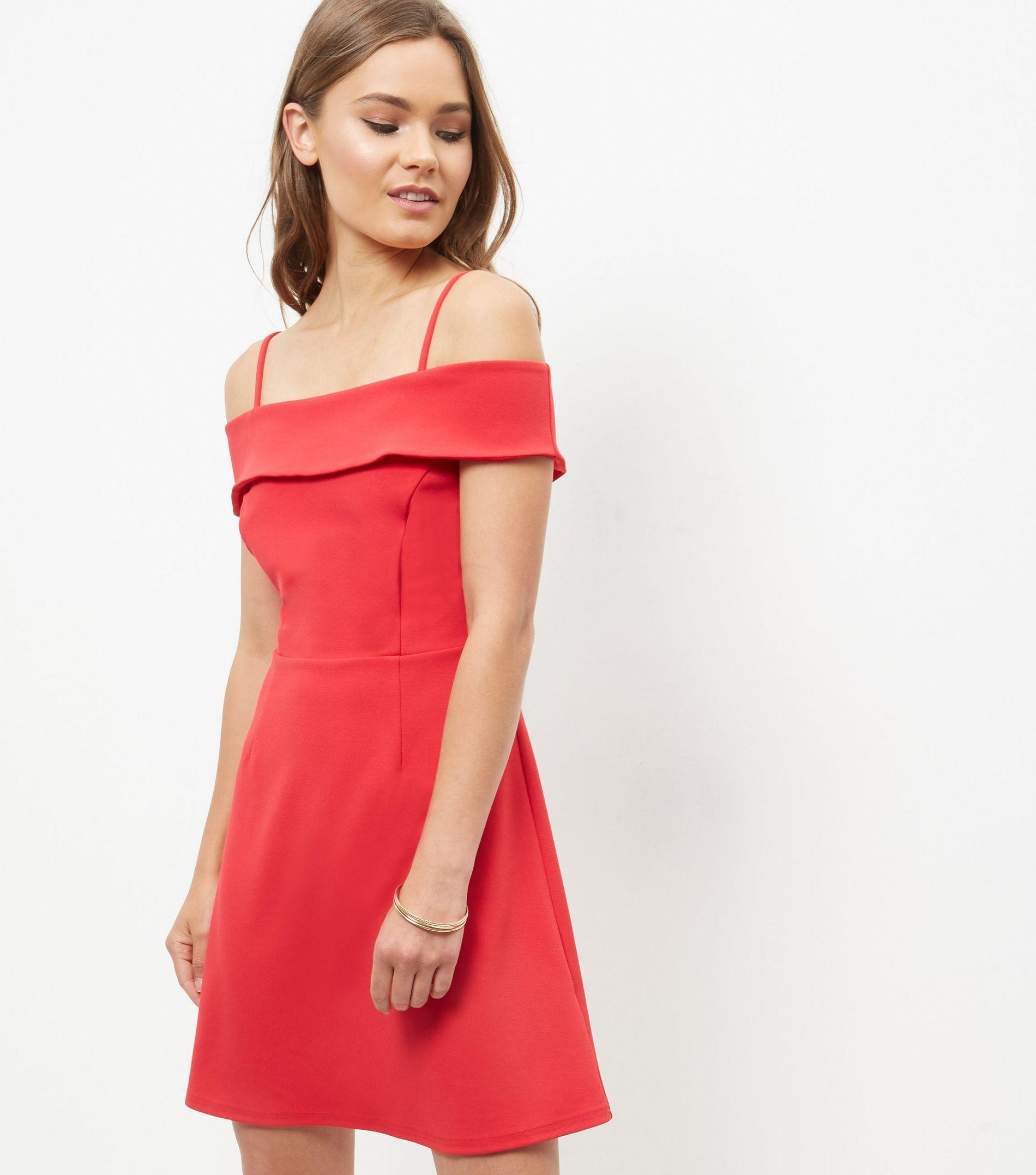 Shop for the latest fashion styles and trends for women at ASOS. Discover our range of women's clothes, accessories, beauty, activewear and more.