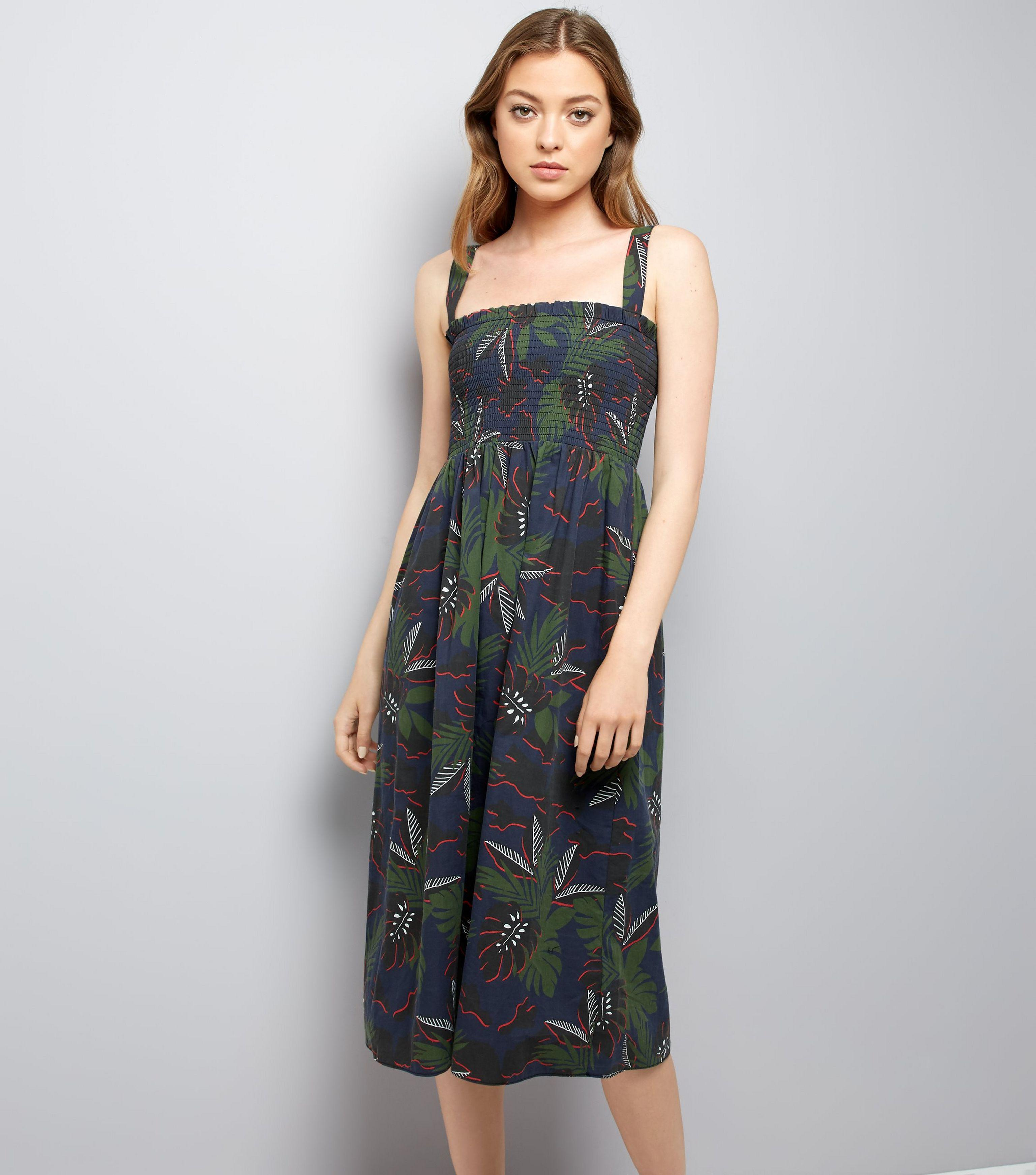 e1742ee64ce4 New Look Green Tropical Print Shirred Midi Dress in Green - Lyst