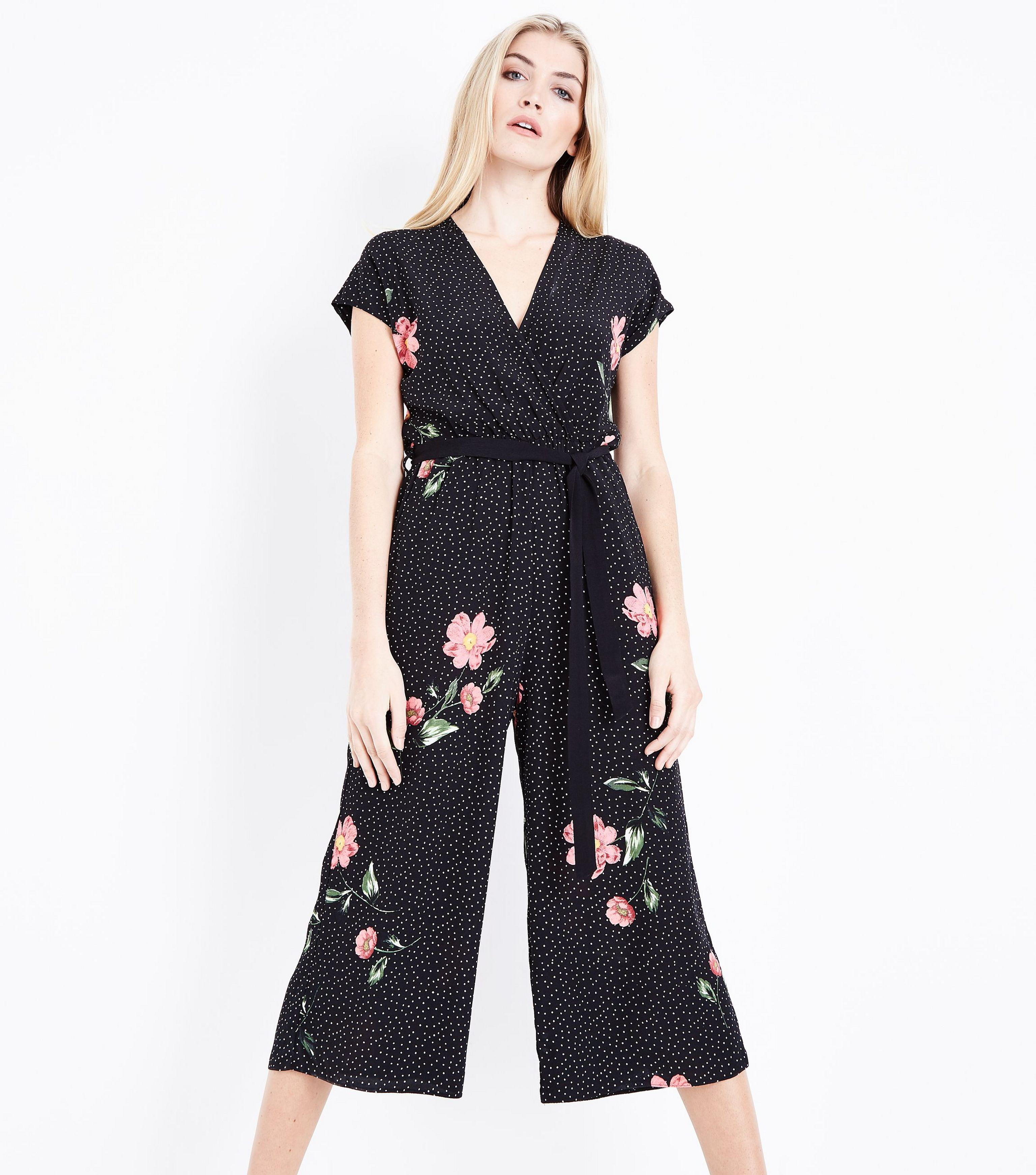 27aa66f98a3 New Look Black Ditsy Floral Print Culotte Jumpsuit in Black - Lyst