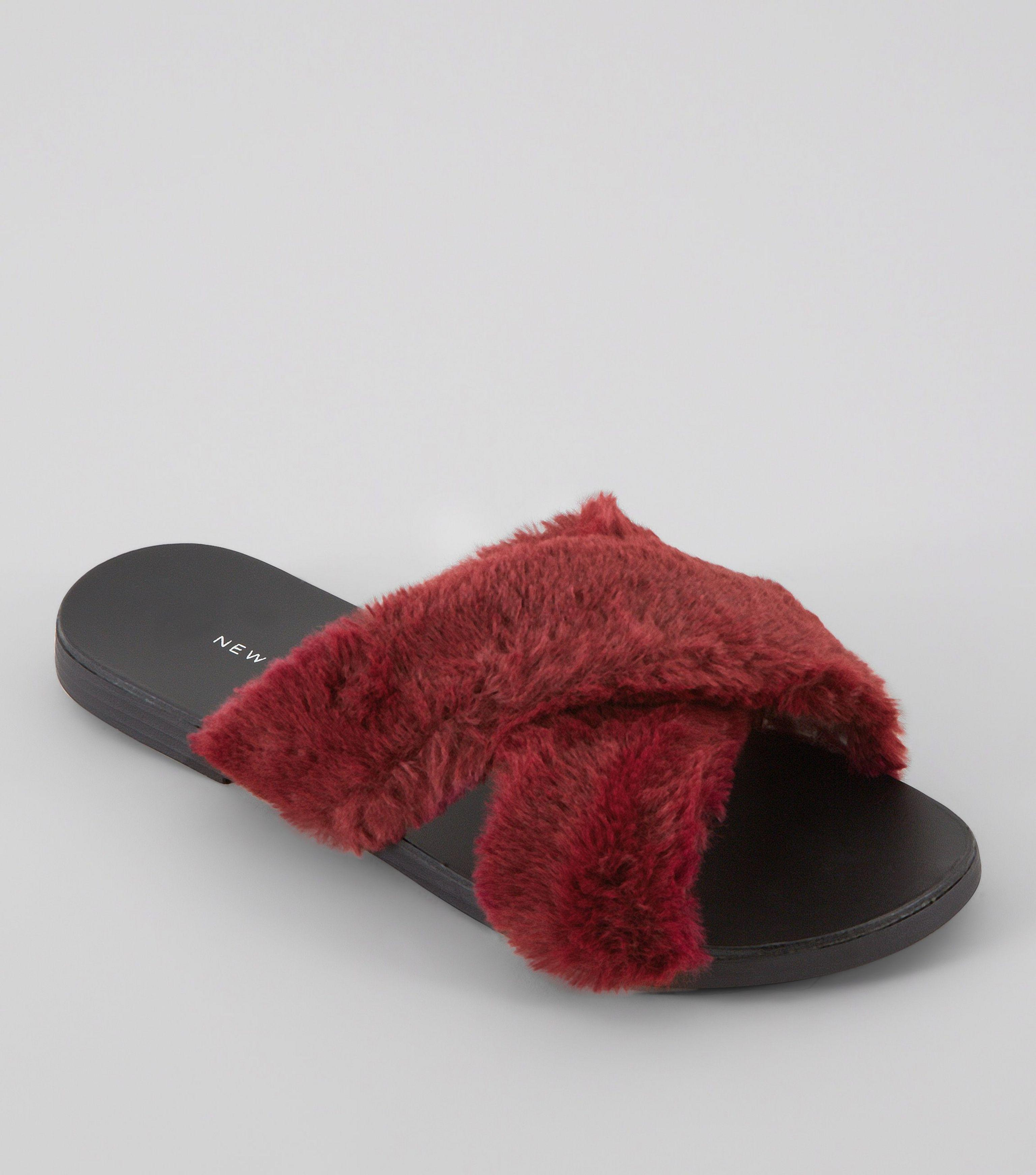 New Look Wide Fit Red Faux Fur Sliders