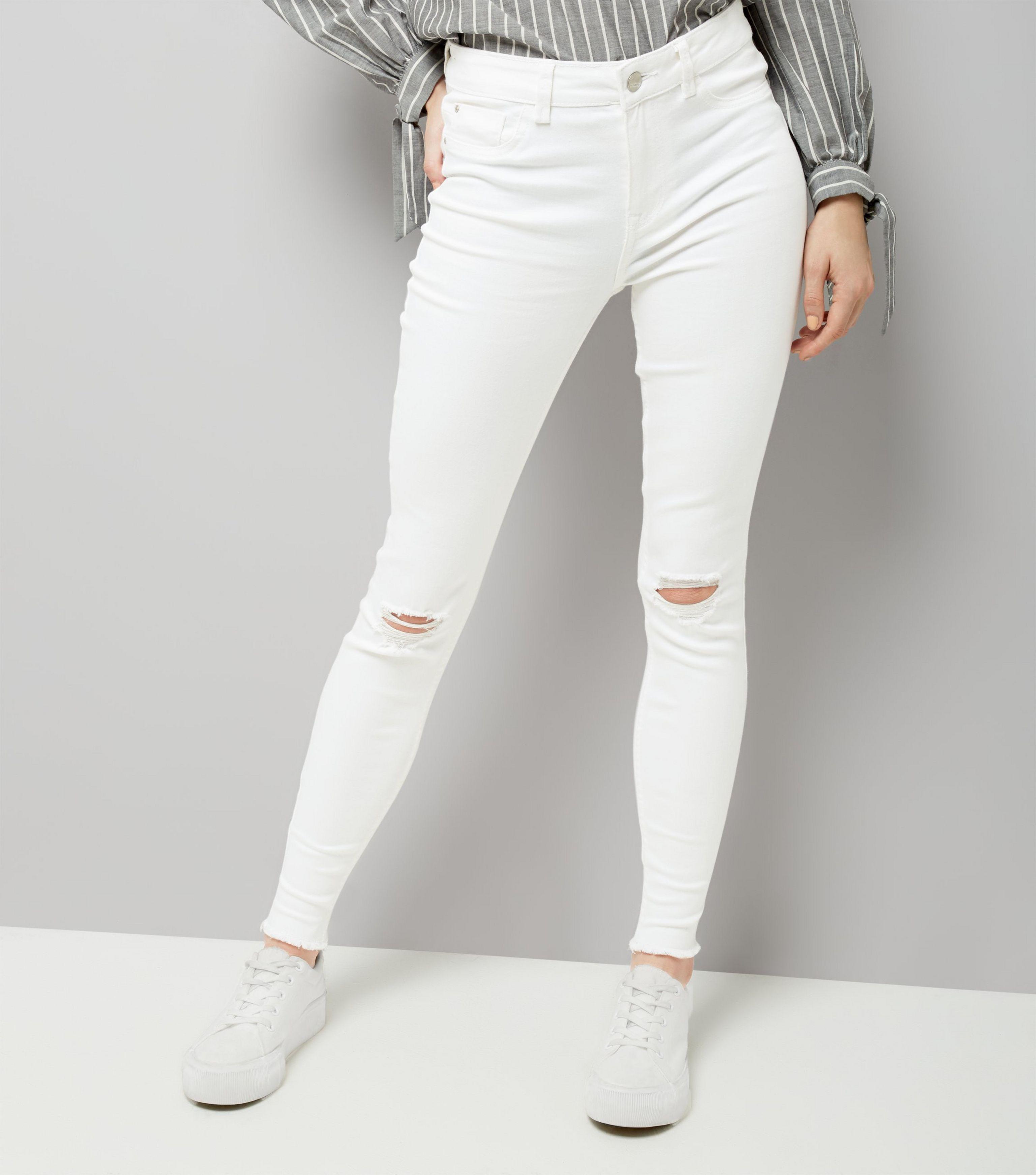 51484823452 New Look White Ripped Knee Fray Hem Skinny Jenna Jeans in White - Lyst