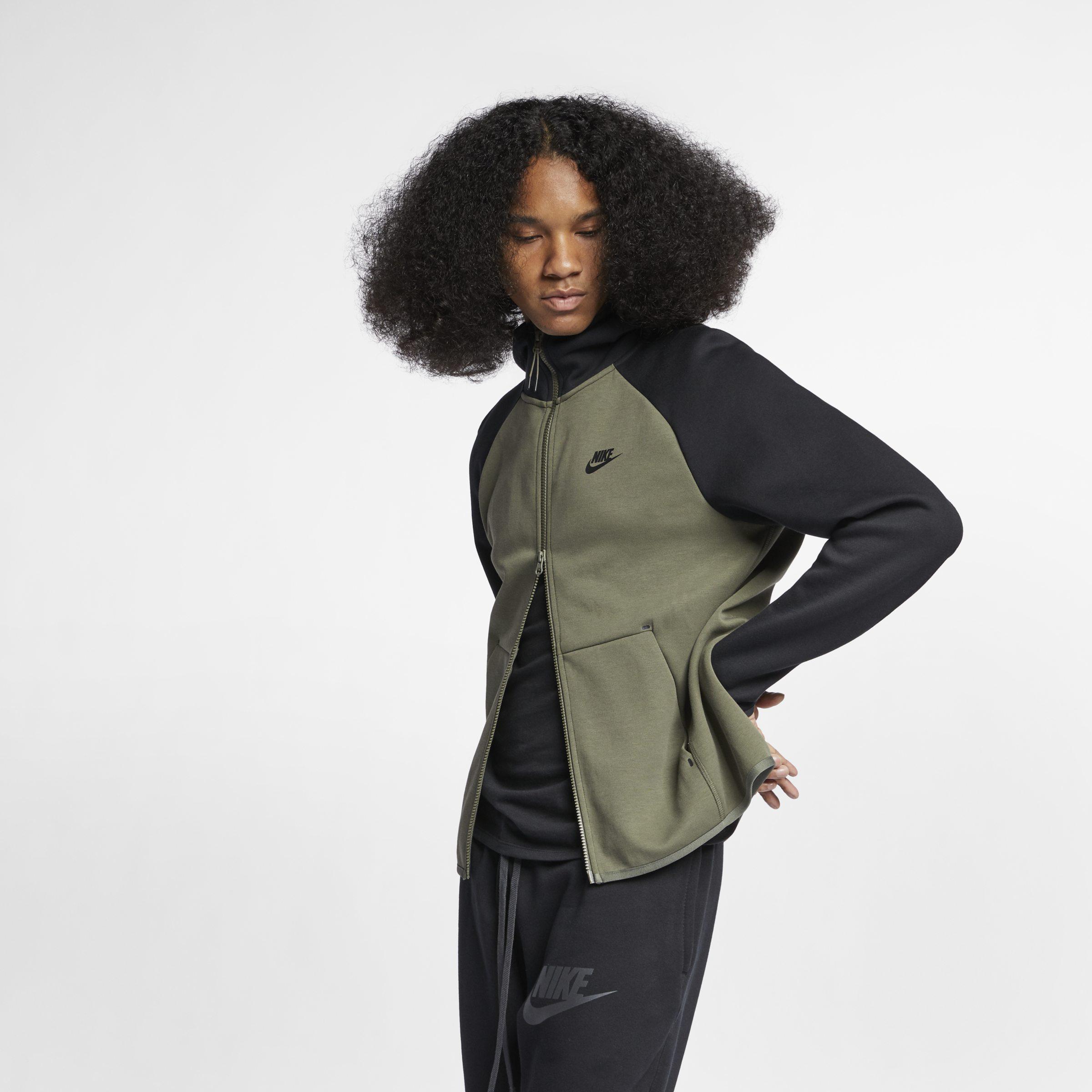 Nike Sportswear Tech Fleece Herren Hoodie mit durchgehendem
