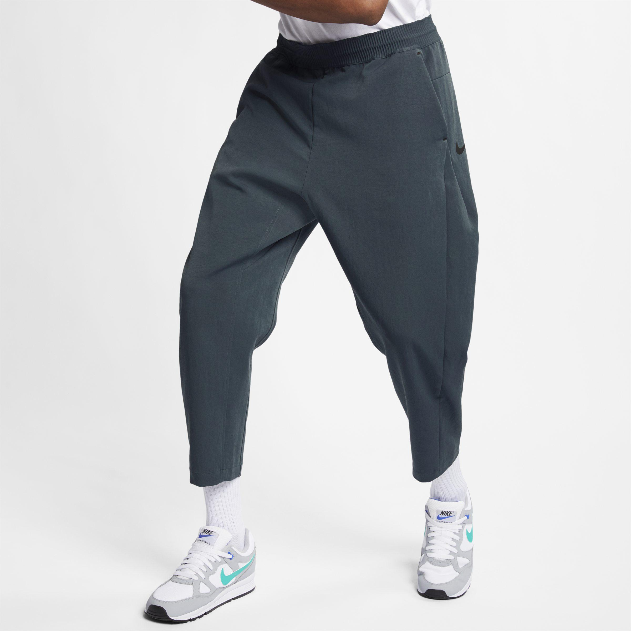 2018 sneakers lowest discount stable quality Nike Sportswear Tech Pack 3/4-Herrenhose aus Webmaterial in ...