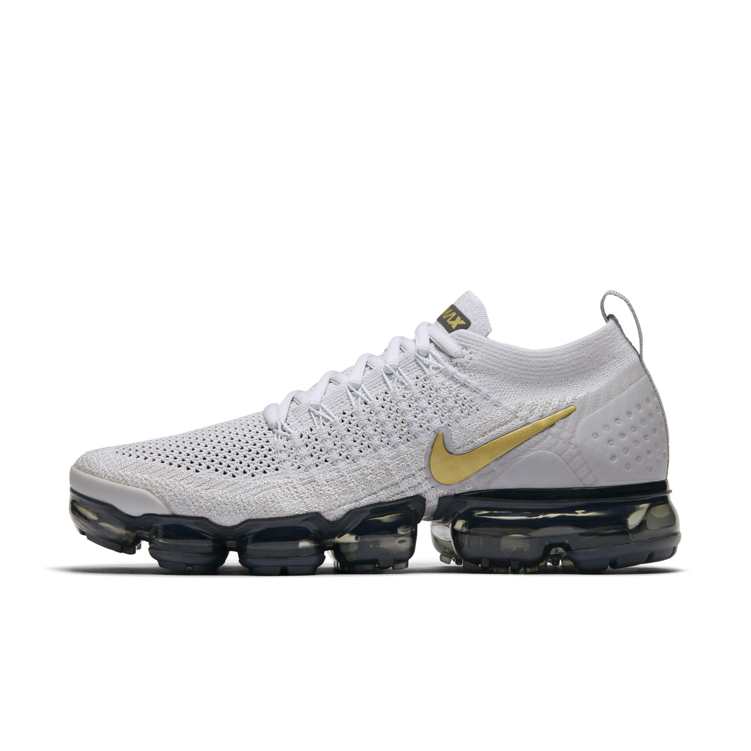 Nike Air Vapormax Flyknit 2 Shoe in Gray - Lyst 630676f3a366