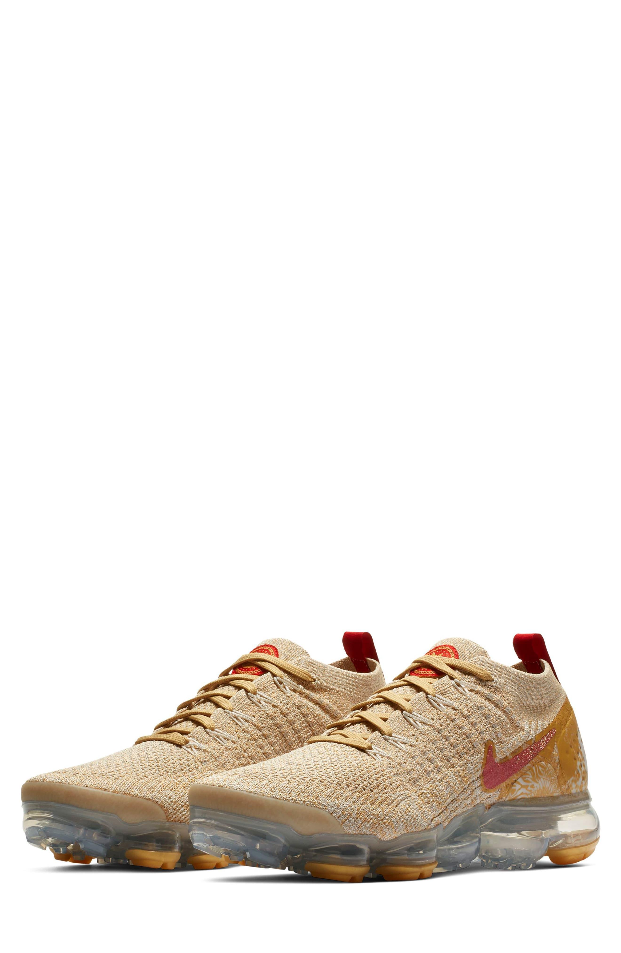 Rascacielos haz radio  Nike Air Vapormax Flyknit 2 Chinese New Year Running Shoe - Lyst