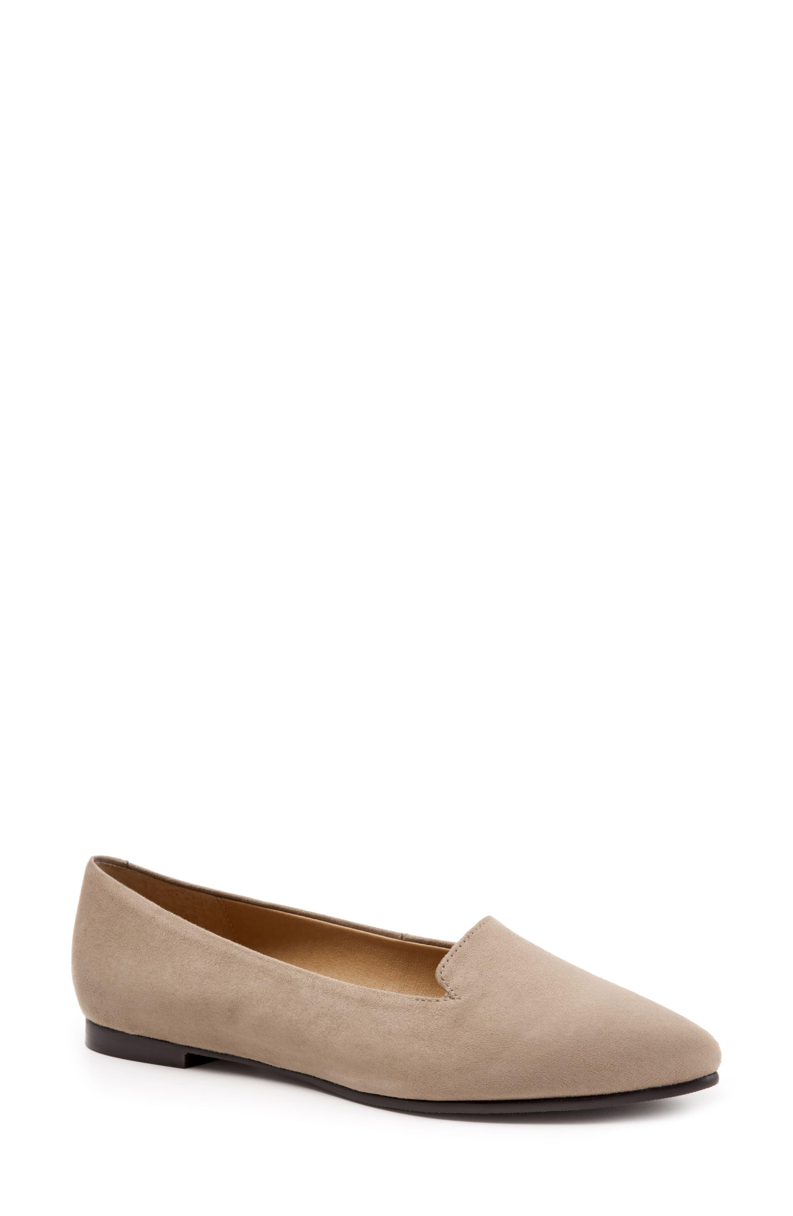 Trotters Harlowe Pointed Toe Loafer - Lyst