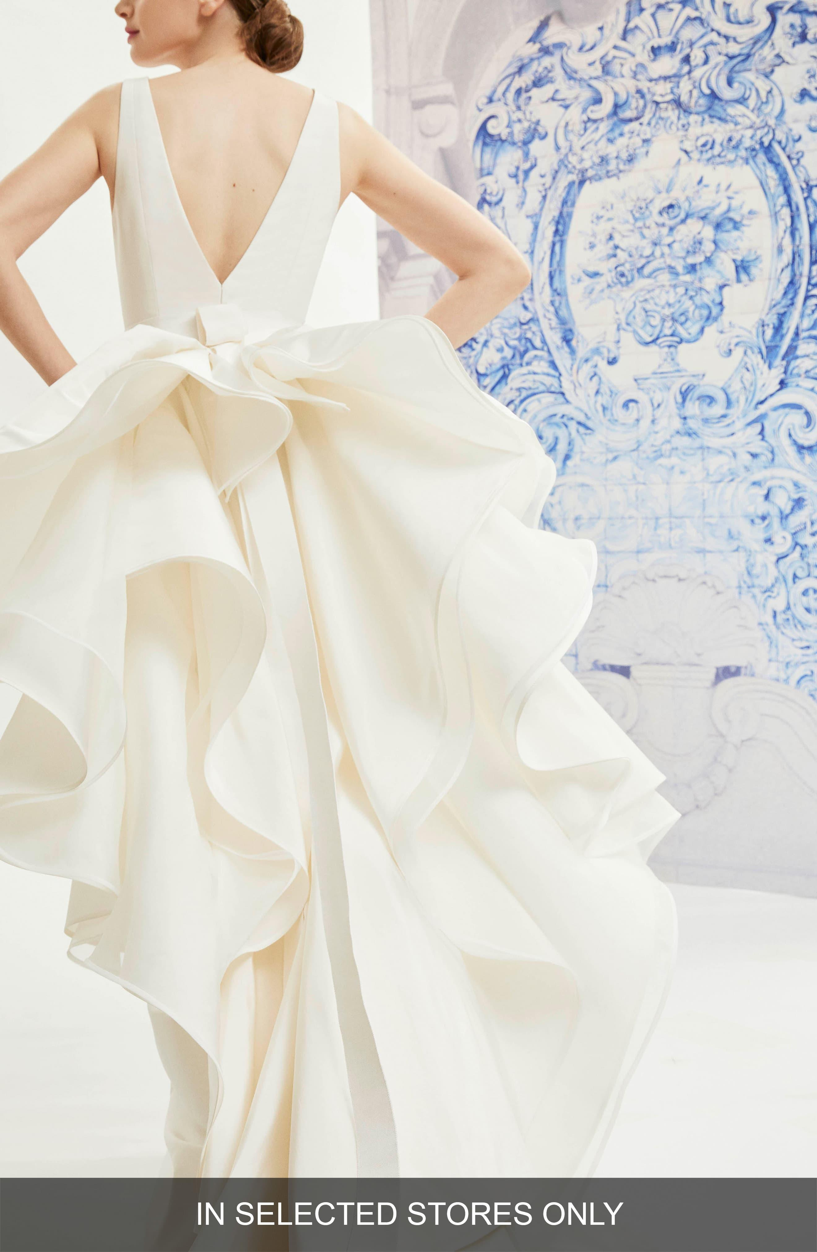 e1be57ef83d48 Carolina Herrera White Idelle V-neck Organza Back Silk Wedding Dress. View  fullscreen