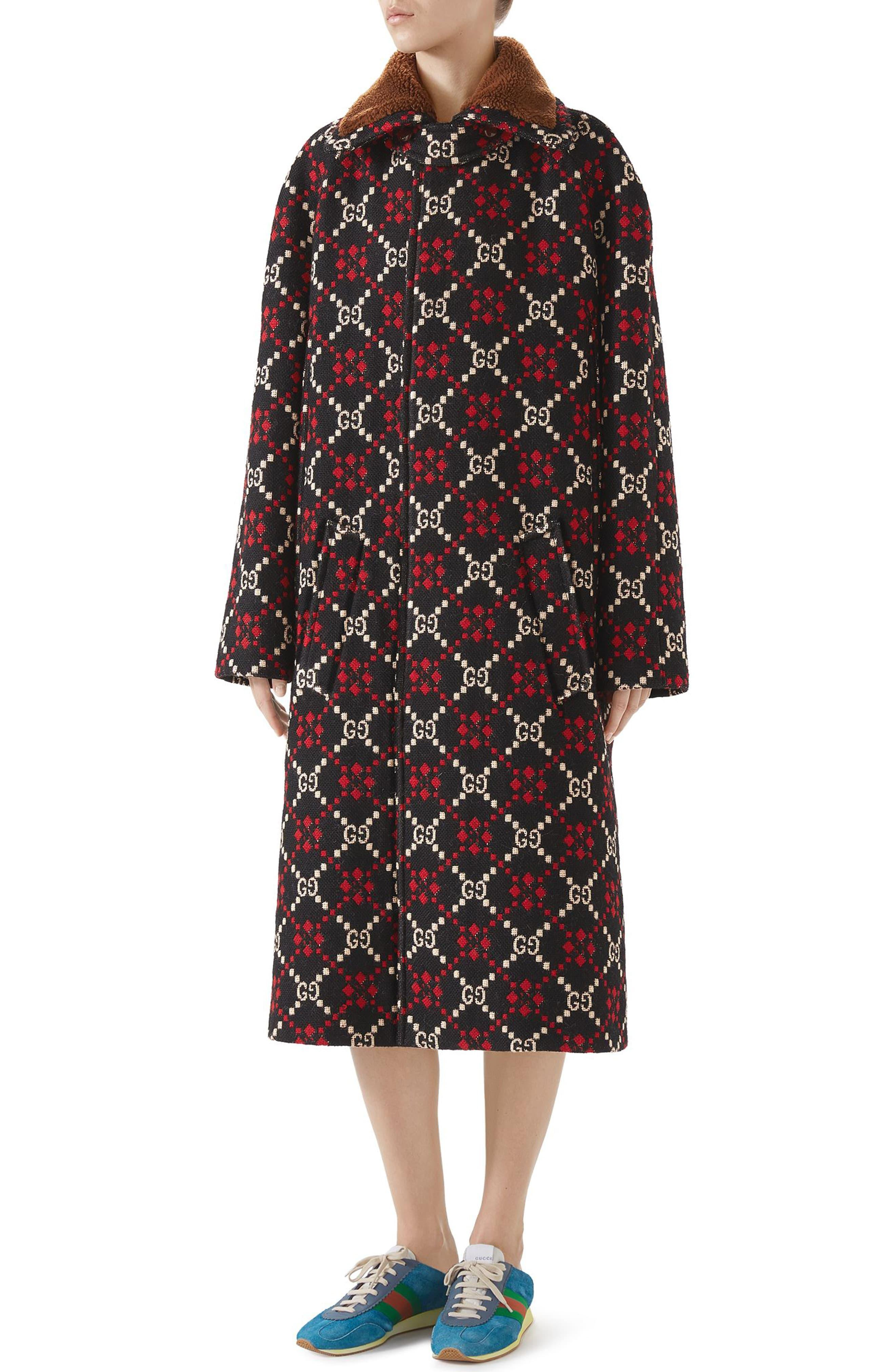 3a53fc37 Gucci GG Diamond Wool Cape Coat in Black - Lyst