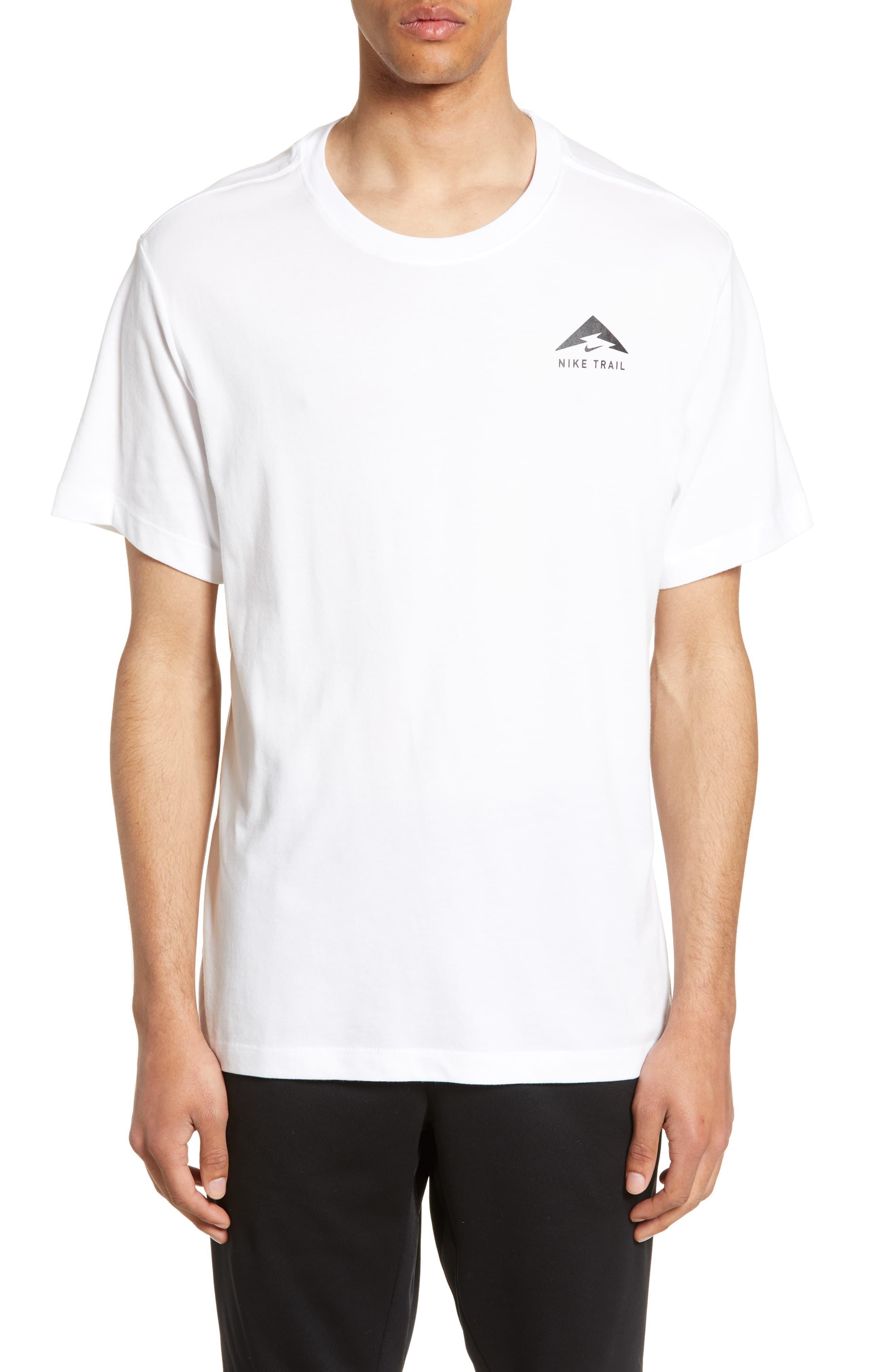 tee shirt nike trail