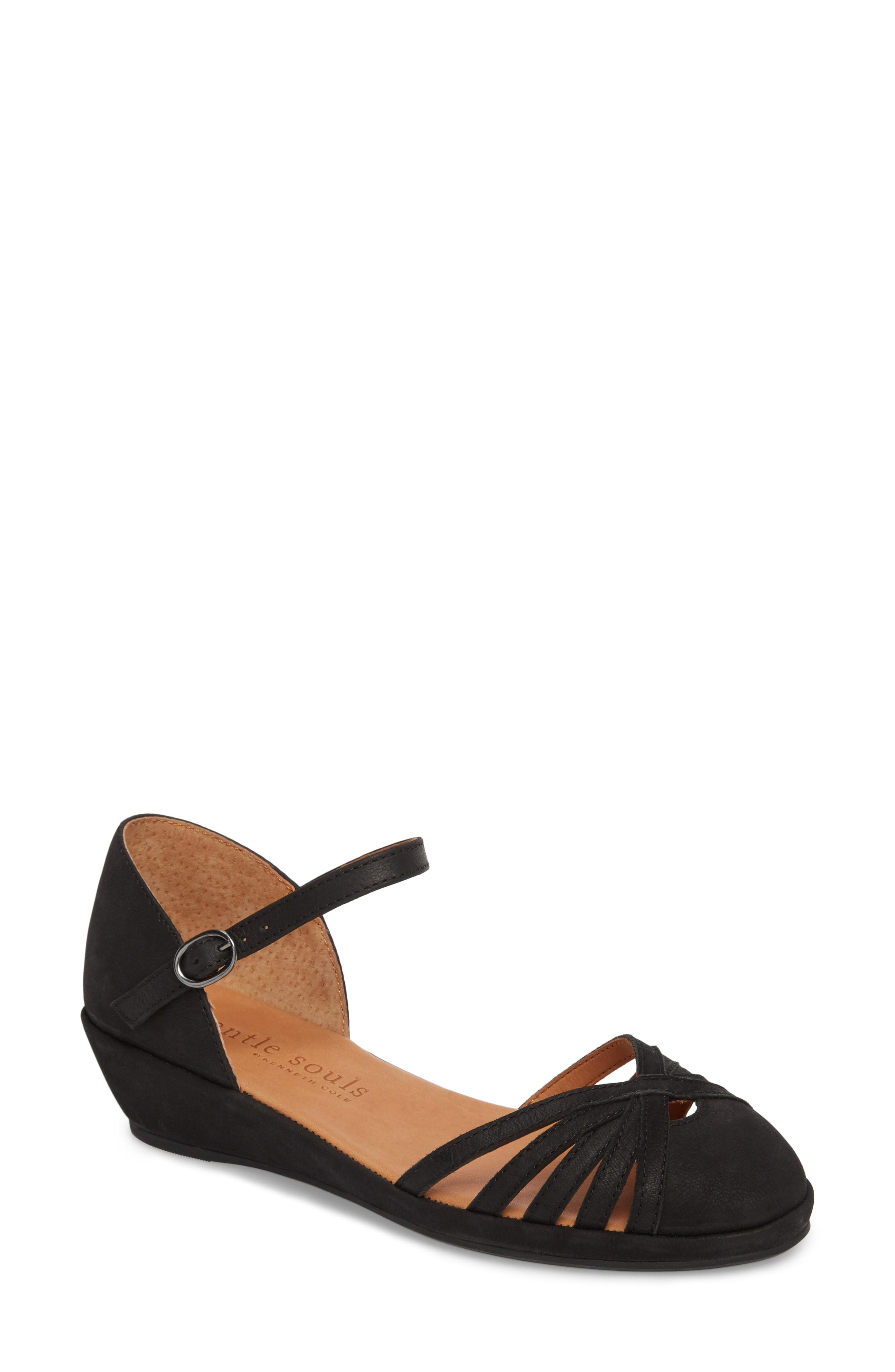 fa2f6c547c45 Gentle Souls. Women s By Kenneth Cole Naira Wedge