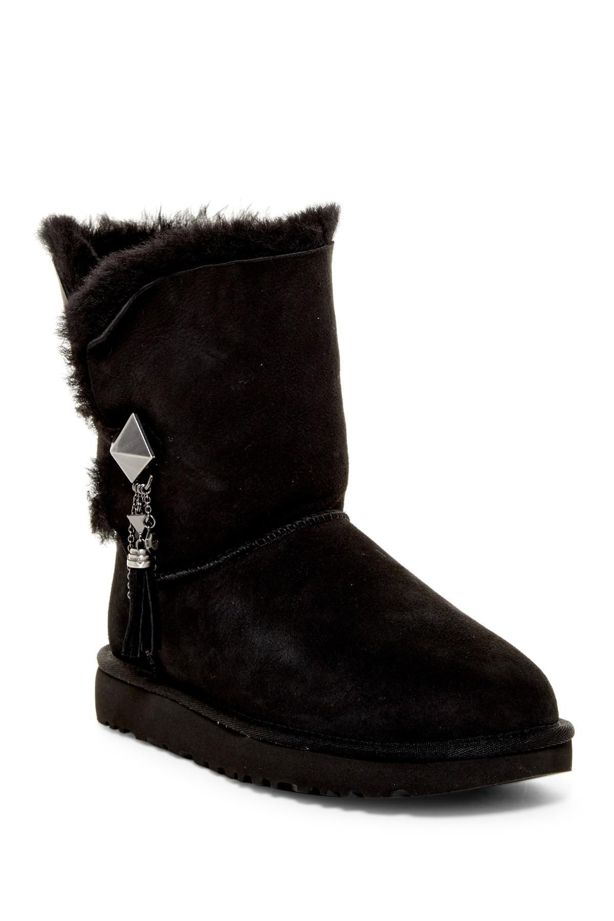 Lyst Ugg Lilou Genuine Shearling Lined Short Boot In Black