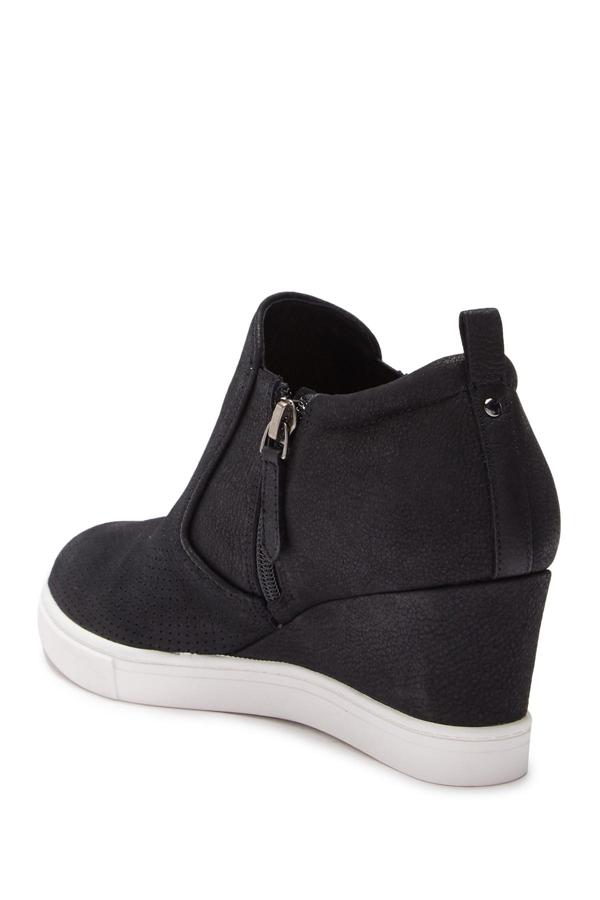 Caslon Aiden Wedge Sneaker in Black - Lyst