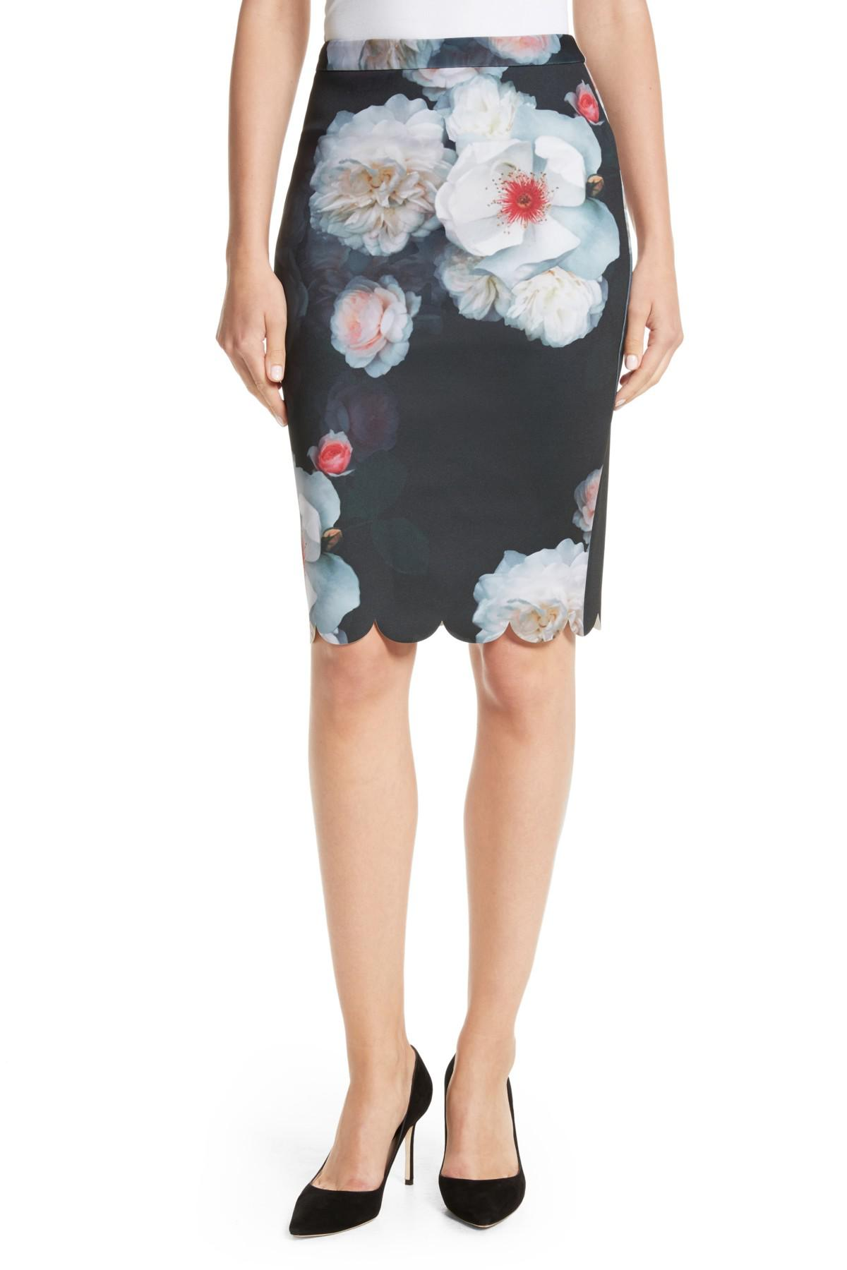 f67310a5af Ted Baker Laylie Chelsea Print Pencil Skirt in Black - Lyst