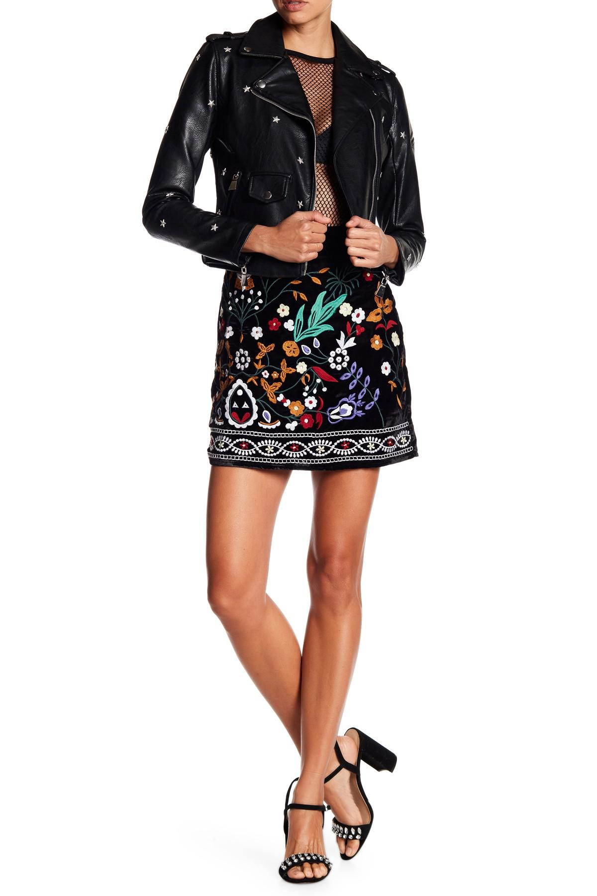 550a0f745 Romeo and Juliet Couture Velvet Embroidered Skirt in Black - Lyst