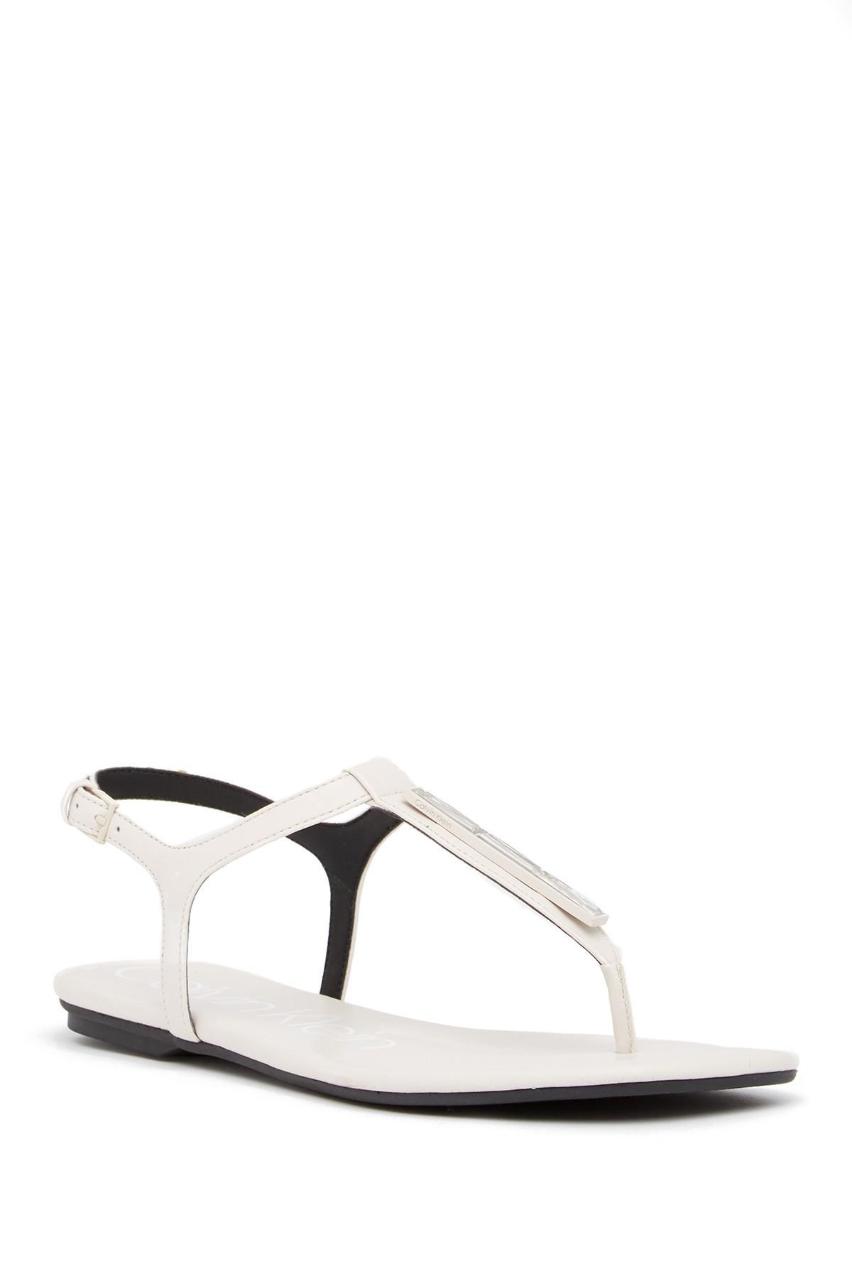 Calvin Klein Sharene Thong Sandal 3UTpo7