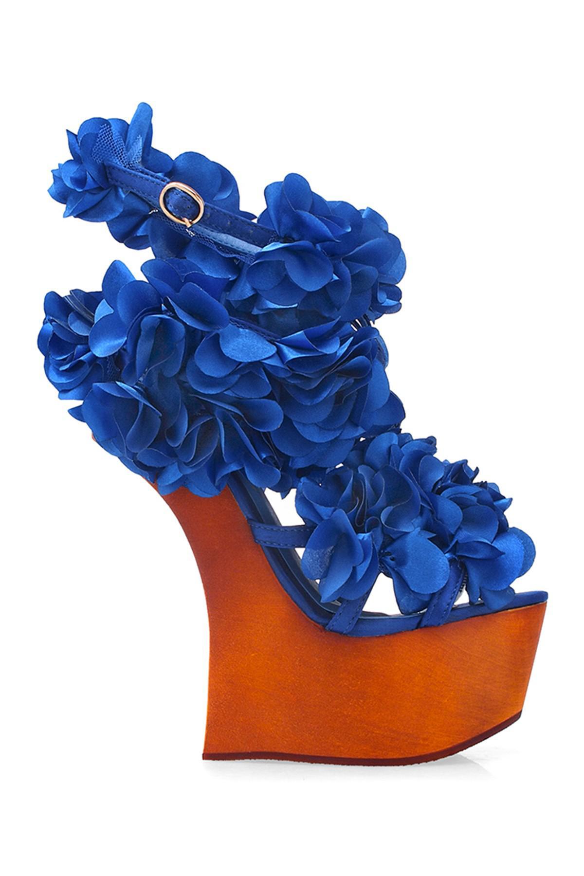 b889c0db9 Lyst - Privileged Zadie Rosette Concave Sandal in Blue
