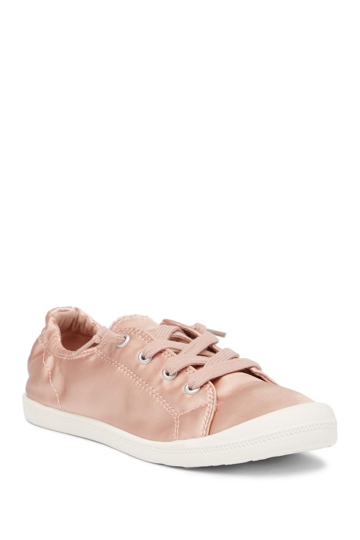 Madden Girl Barby Lace-up Sneaker in lt