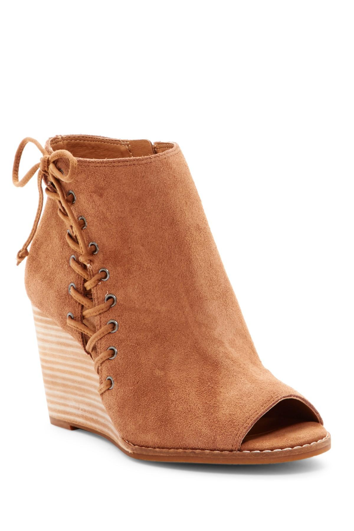Lucky Brand Side Zip Leather Boots